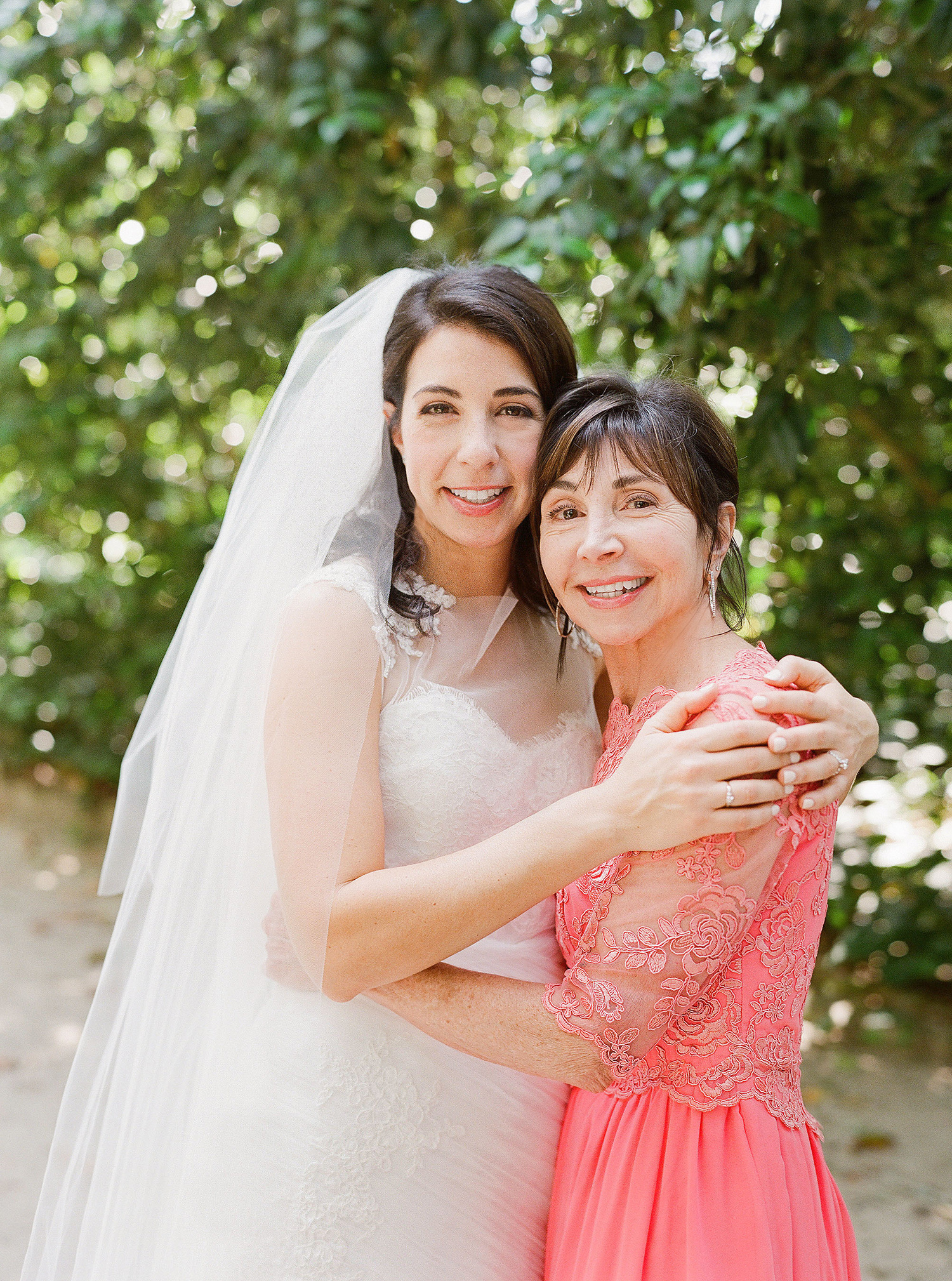 3 Reasons Why the Mother of the Bride Should Schedule a Pre-Wedding Makeup Trial