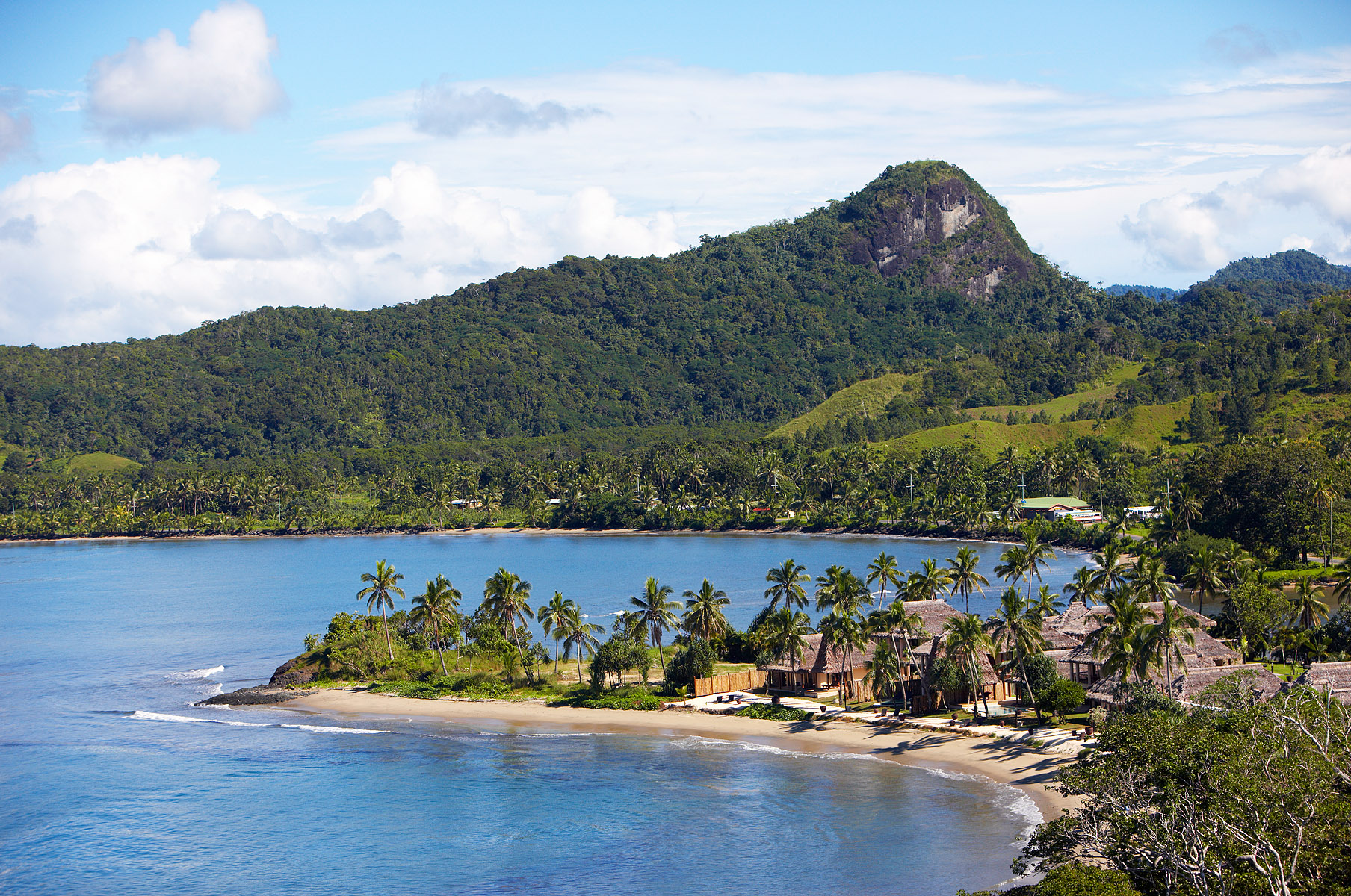 How to Have an Adventurous (Yet Relaxing!) Honeymoon in Fiji