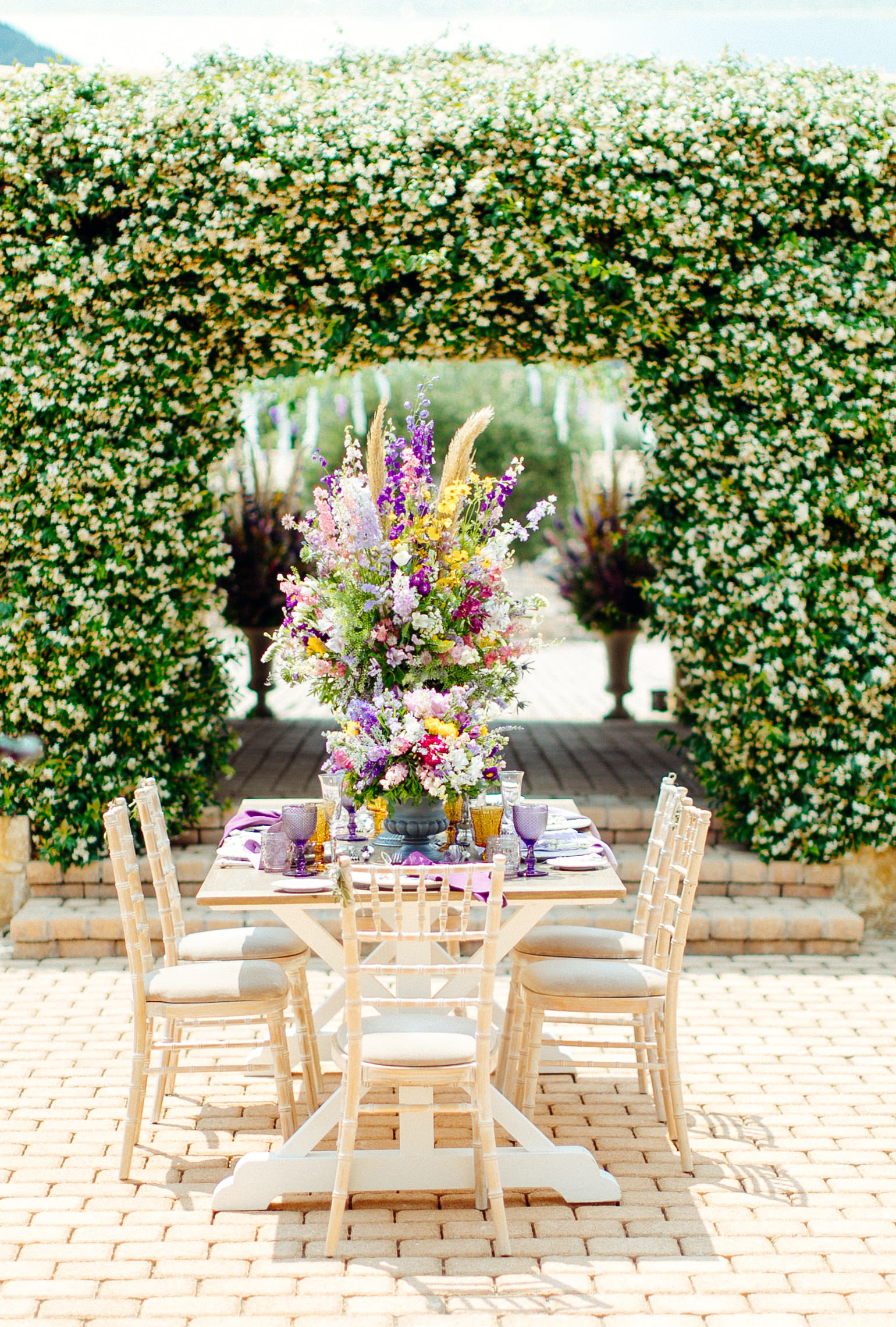 summer wedding flowers sotiris tsakanikas table and chairs