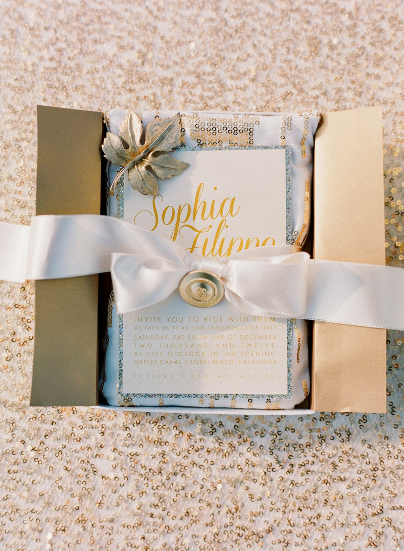 Wedding Invitations in Folding Boxes