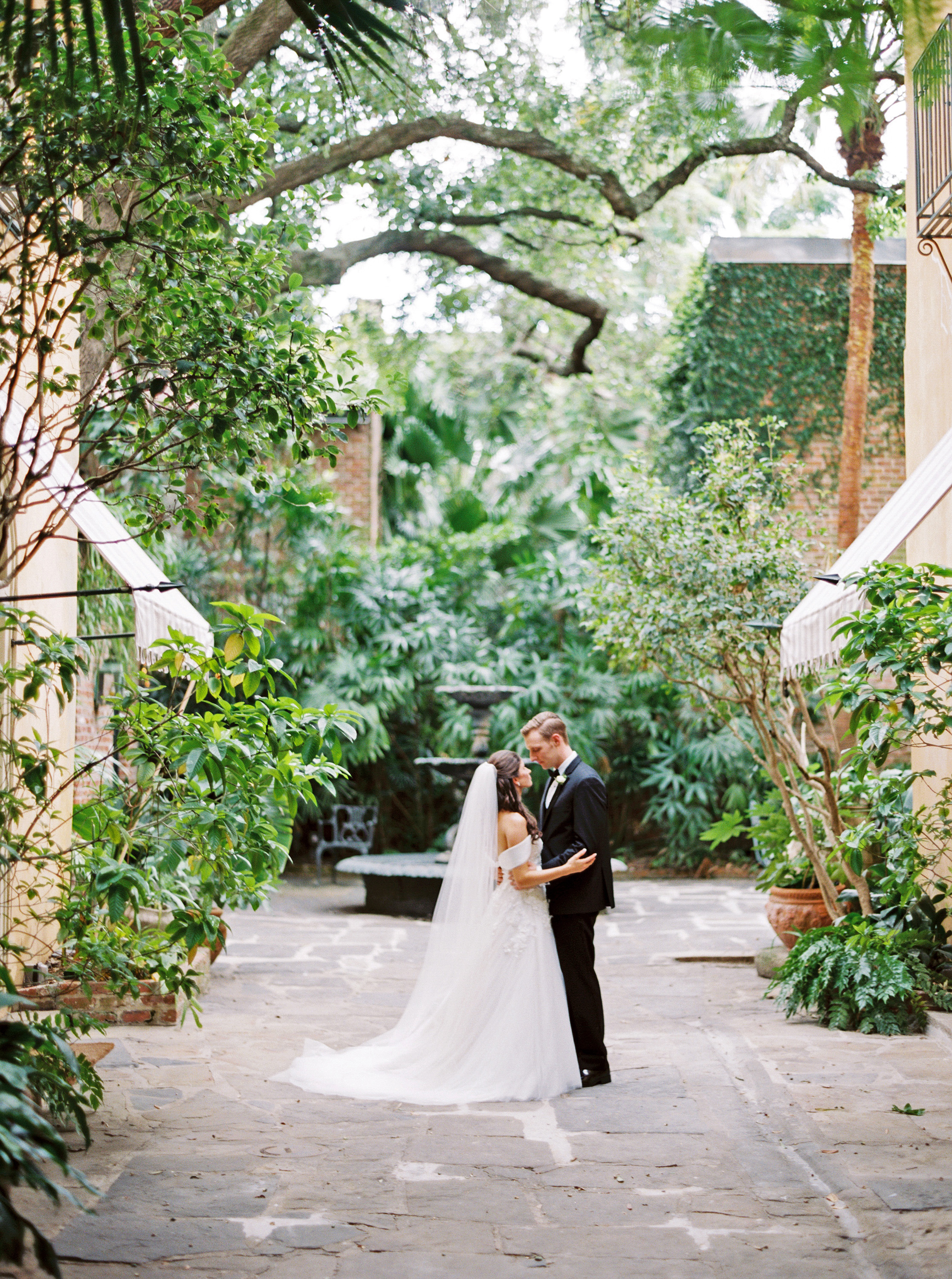 One Couple's Beautiful Black-Tie Wedding in New Orleans