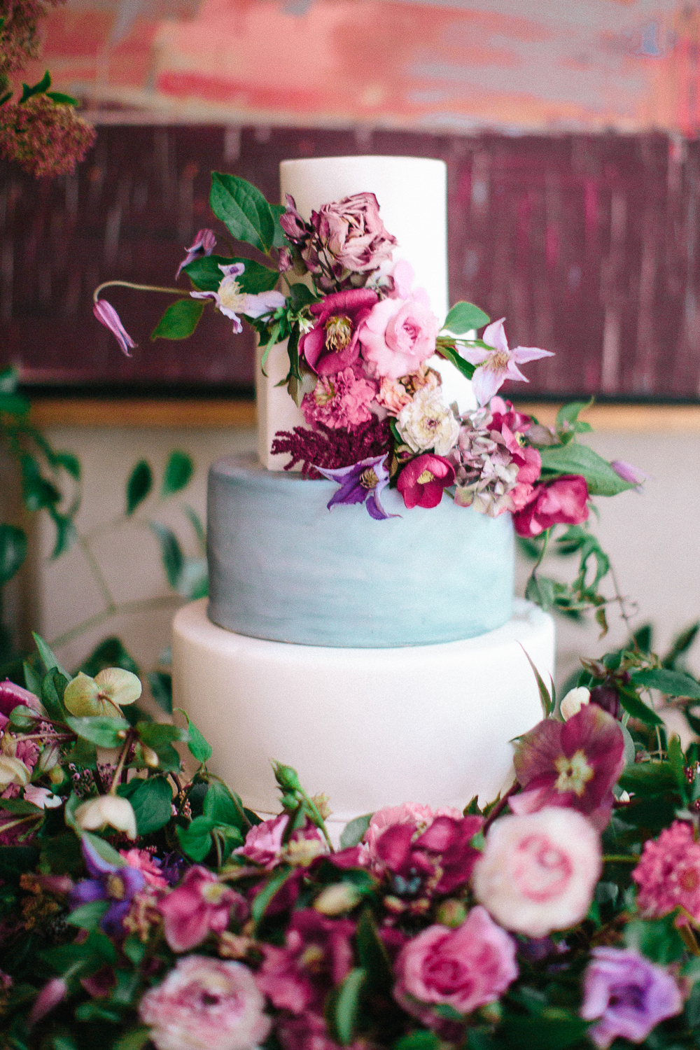 Trending Now: Wedding Cakes with Statement Tiers