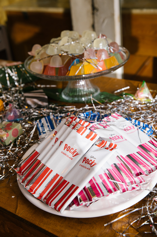 tashina huy colorful wedding pocky