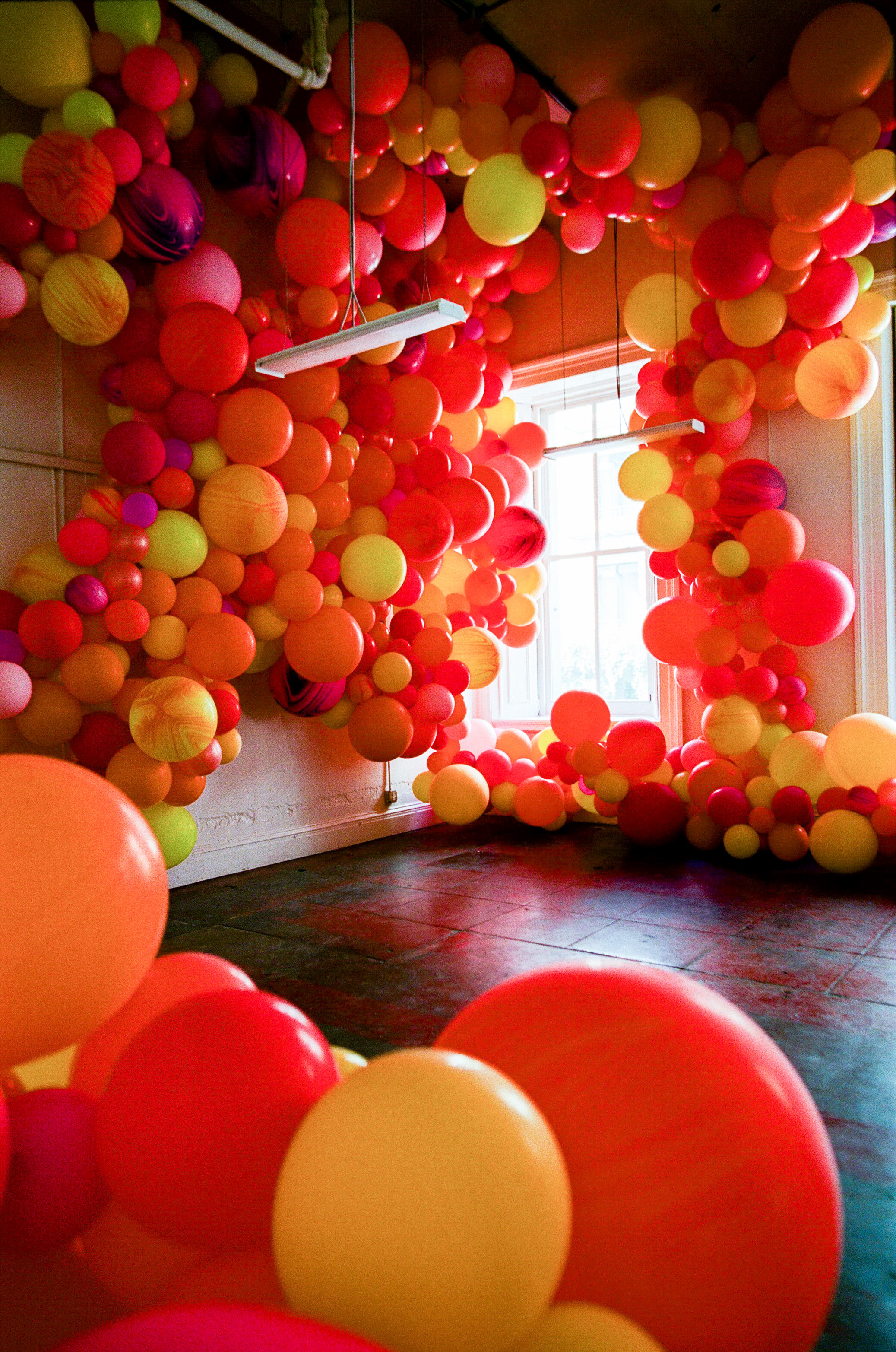 natalie louis wedding lounge balloons