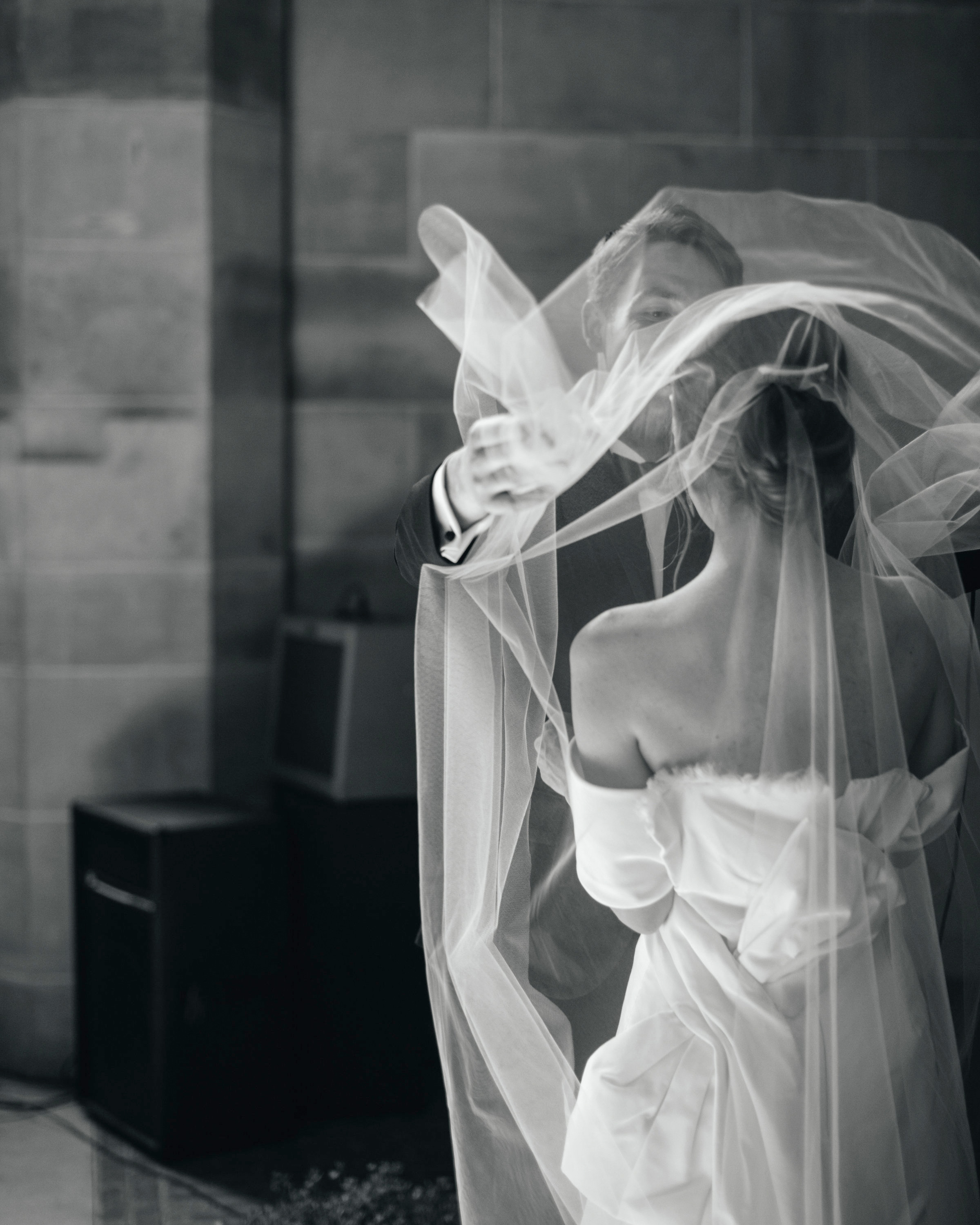 madison kyle wedding couple veil