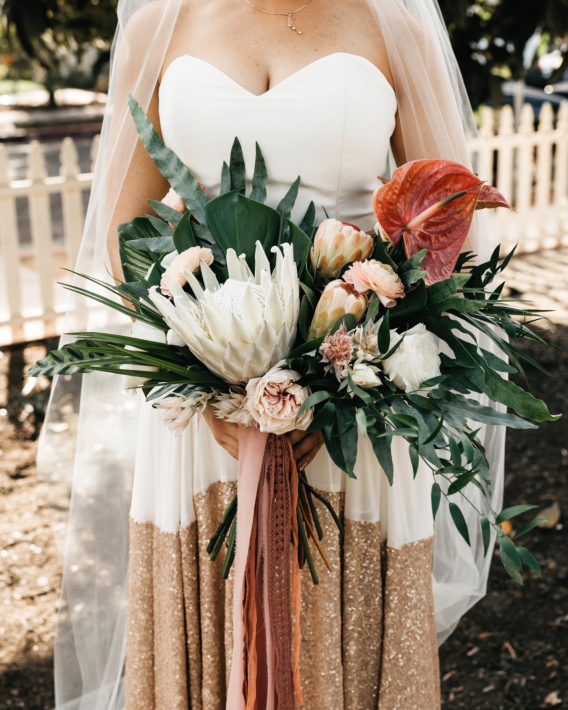 colleen pip wedding bar bouquet
