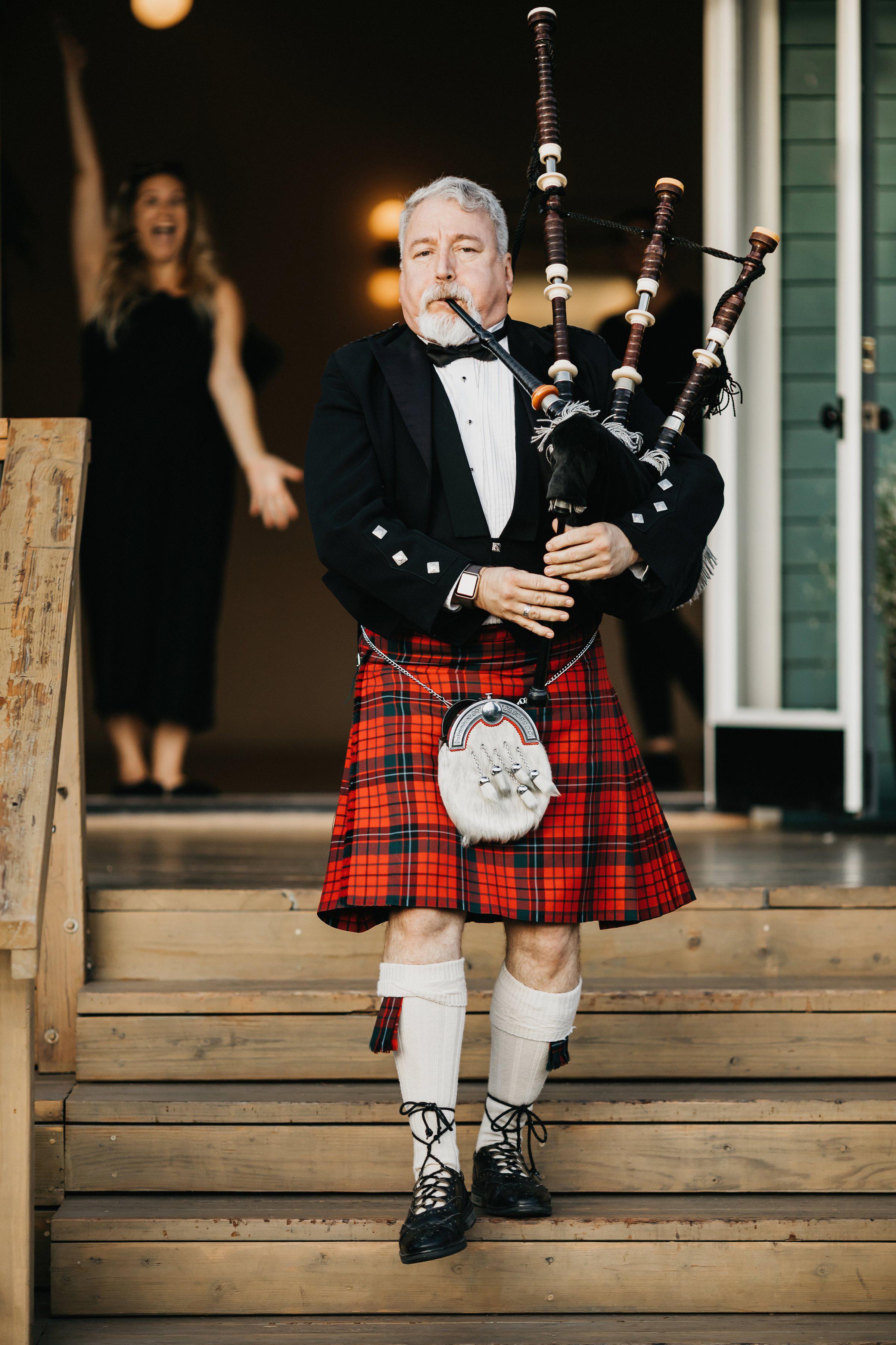 colleen pip wedding bagpiper