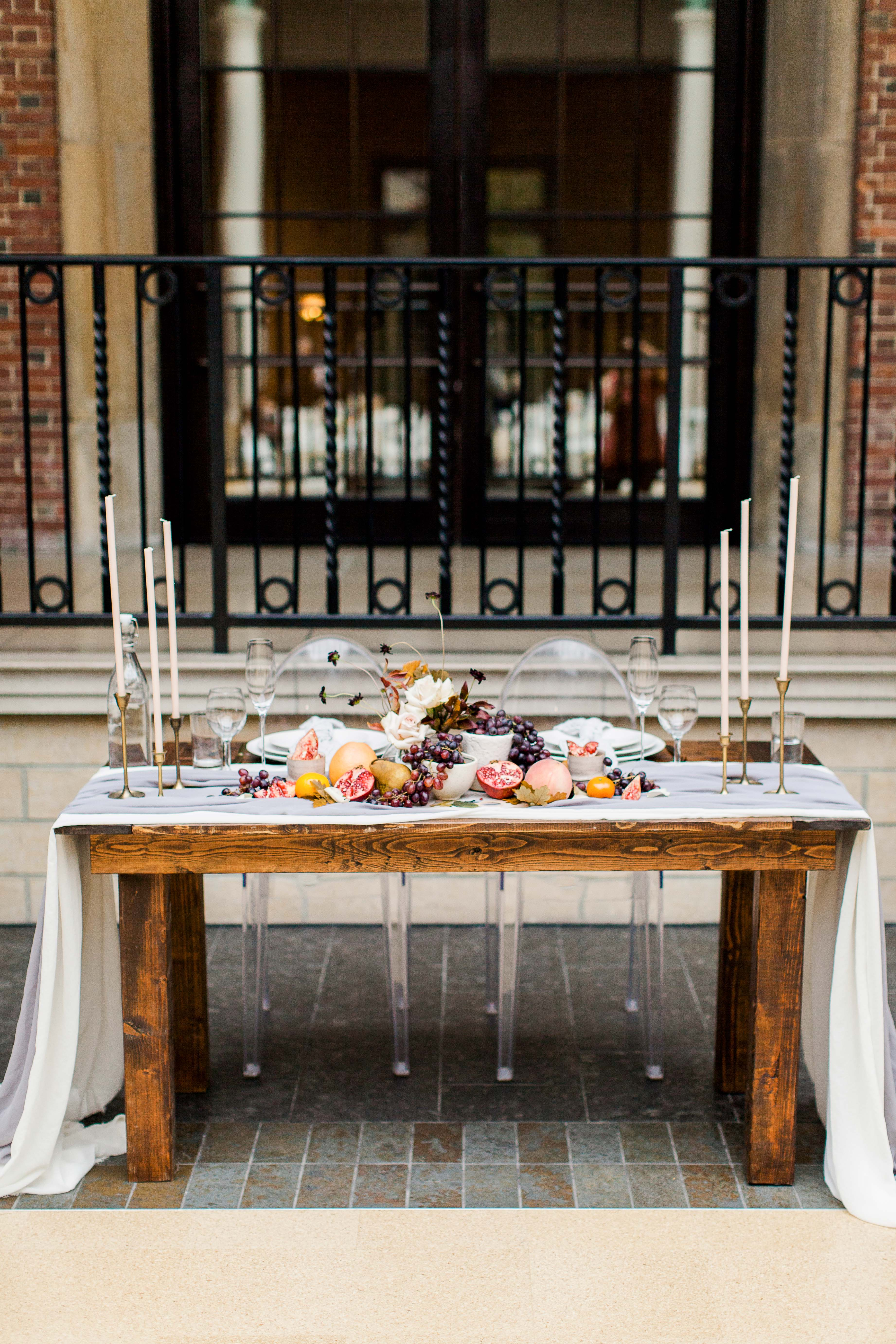katie matthew ohio wedding sweetheart table