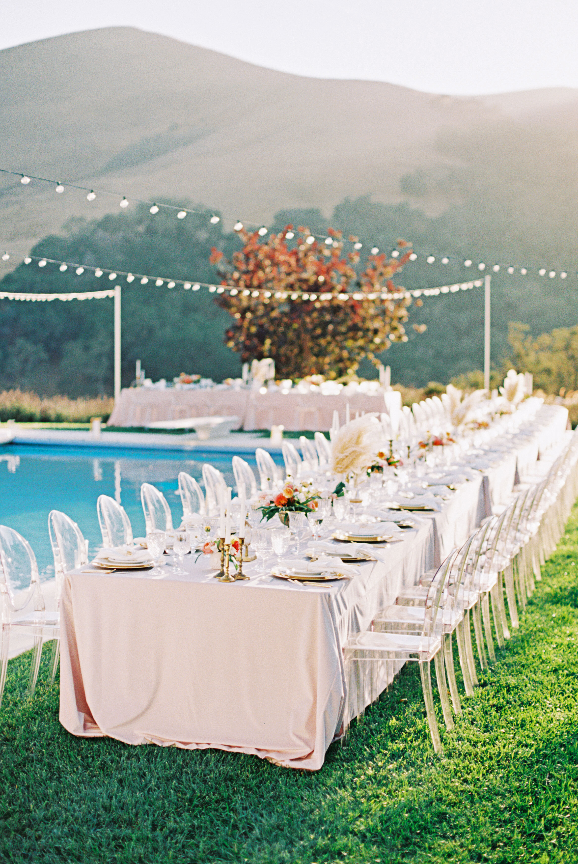 7 Things to Consider Before You Start Planning Your Poolside Wedding
