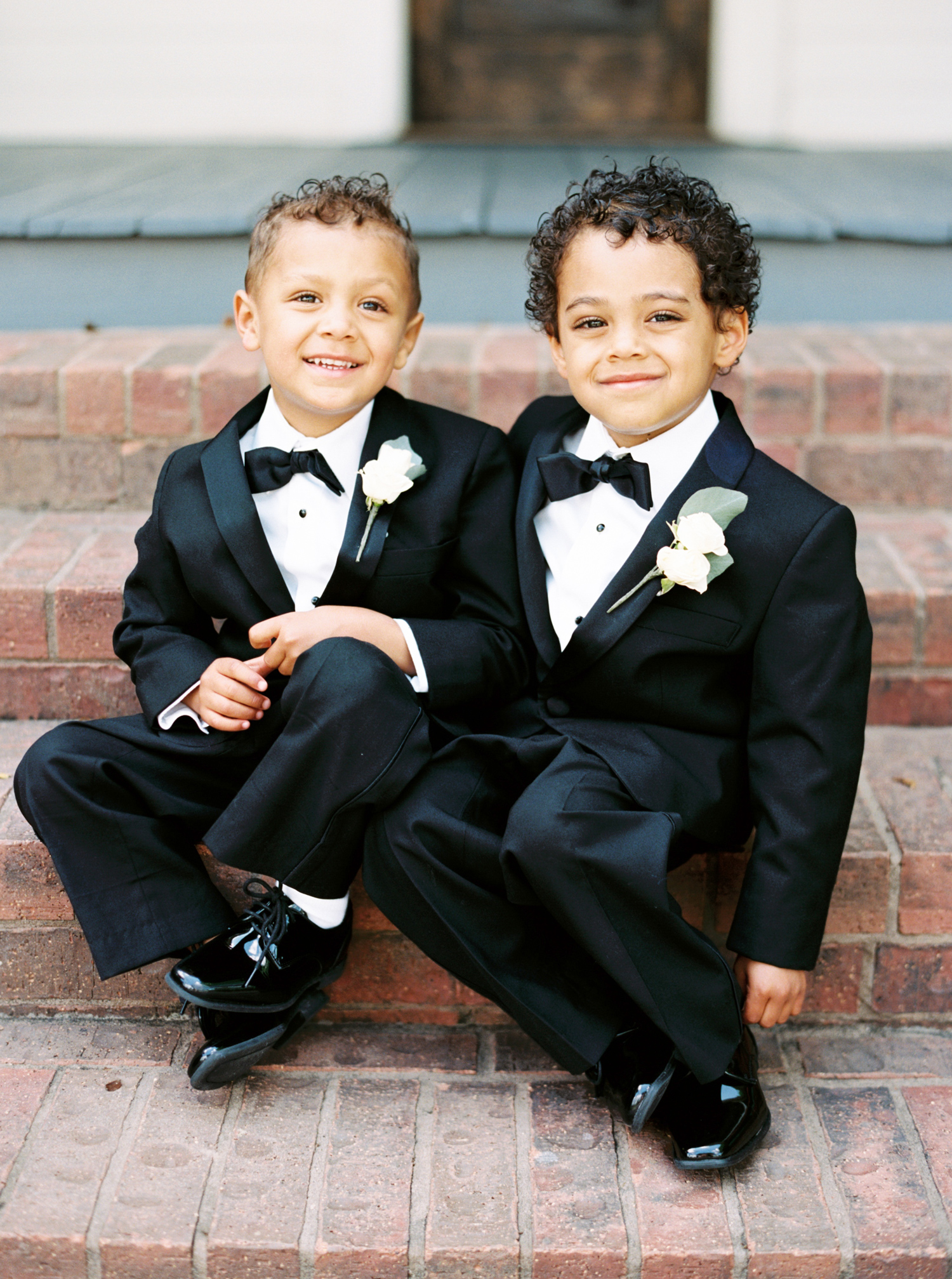 5 Unique Ways to Pop the Question to Your Ring Bearer