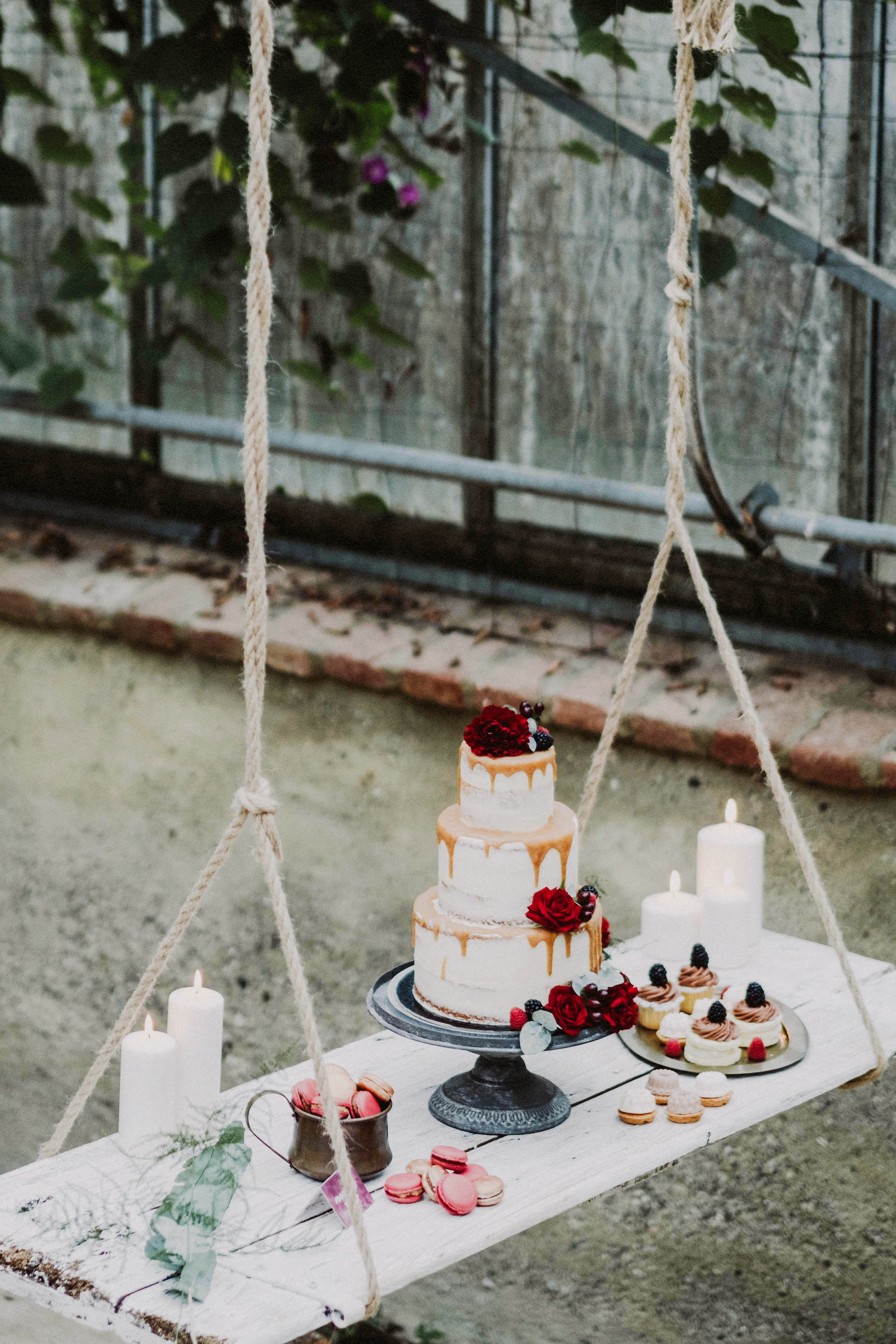 suspended wedding cake tables matteo coltro