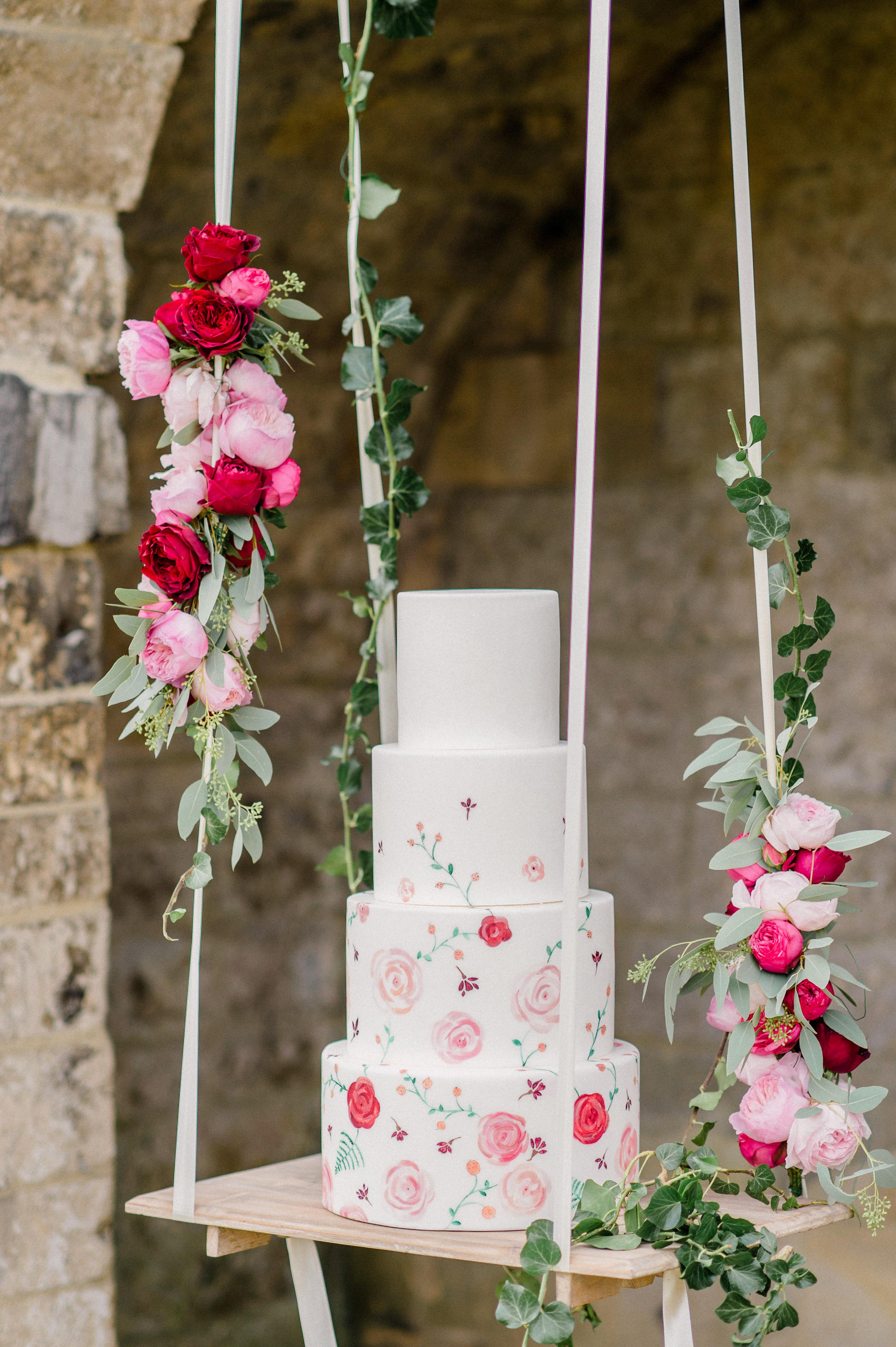 suspended wedding cake tables alexandra vonk