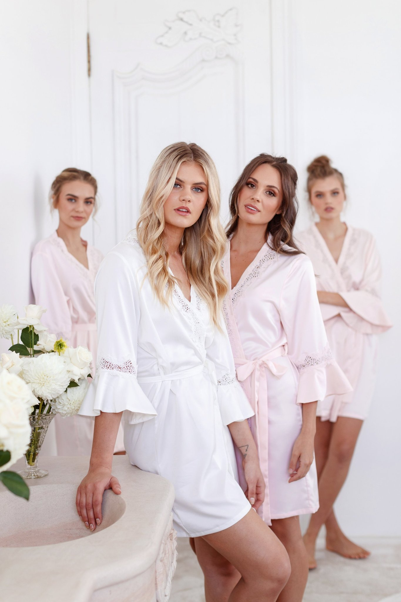 bridesmaids robes le rose chloe