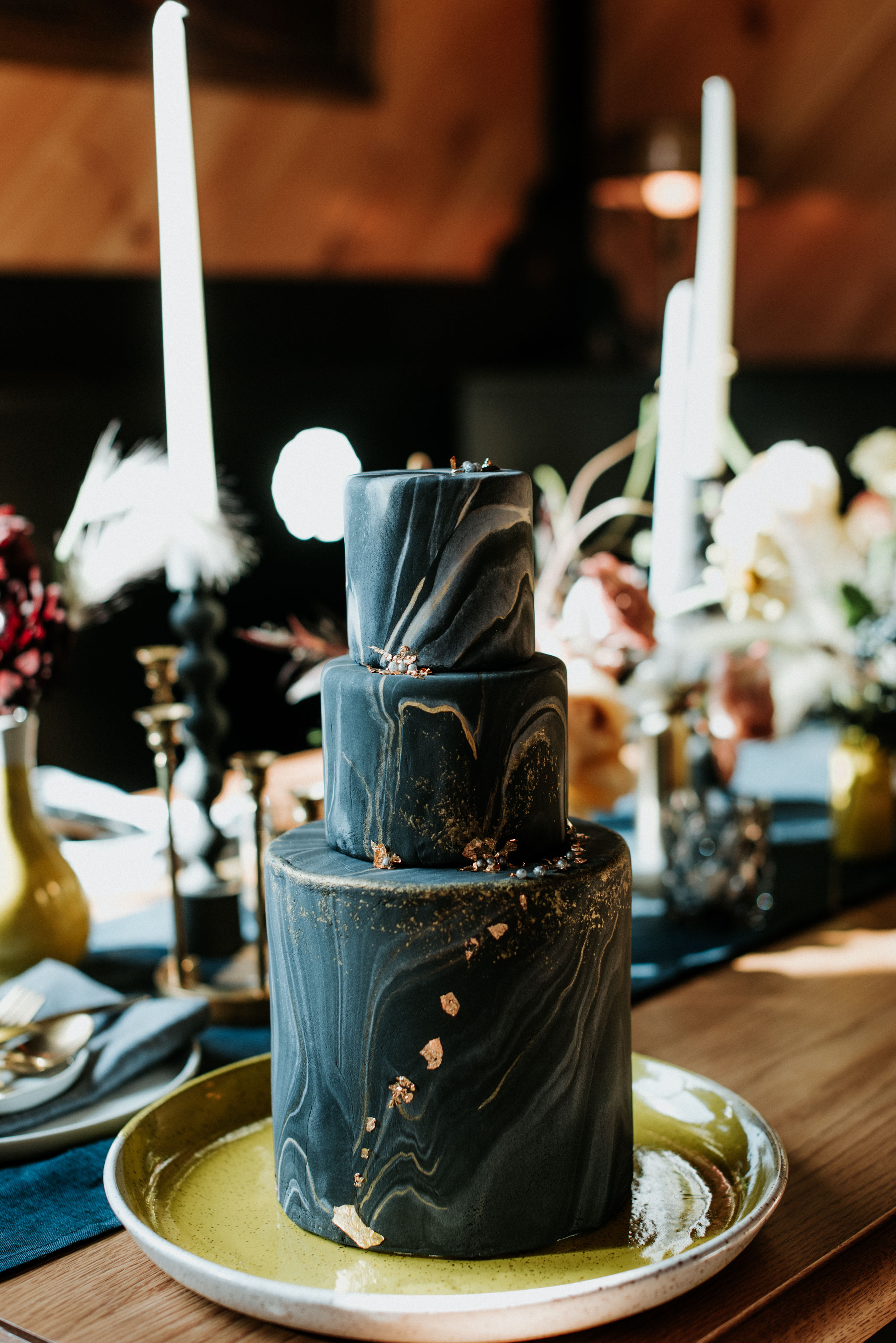 black wedding cake eileen meny samanthabakescakes