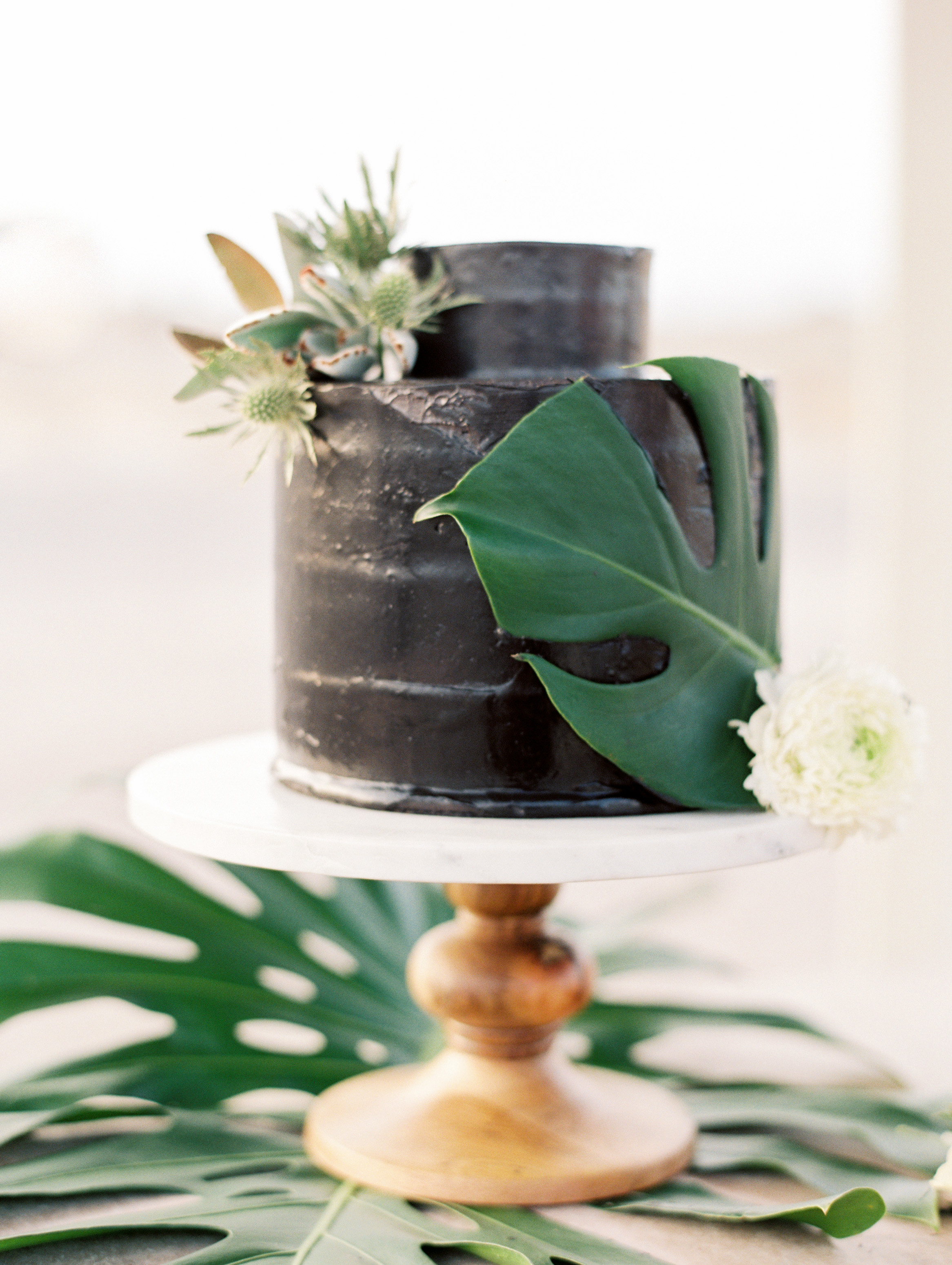 black wedding cake darcy benincosa pippacakery