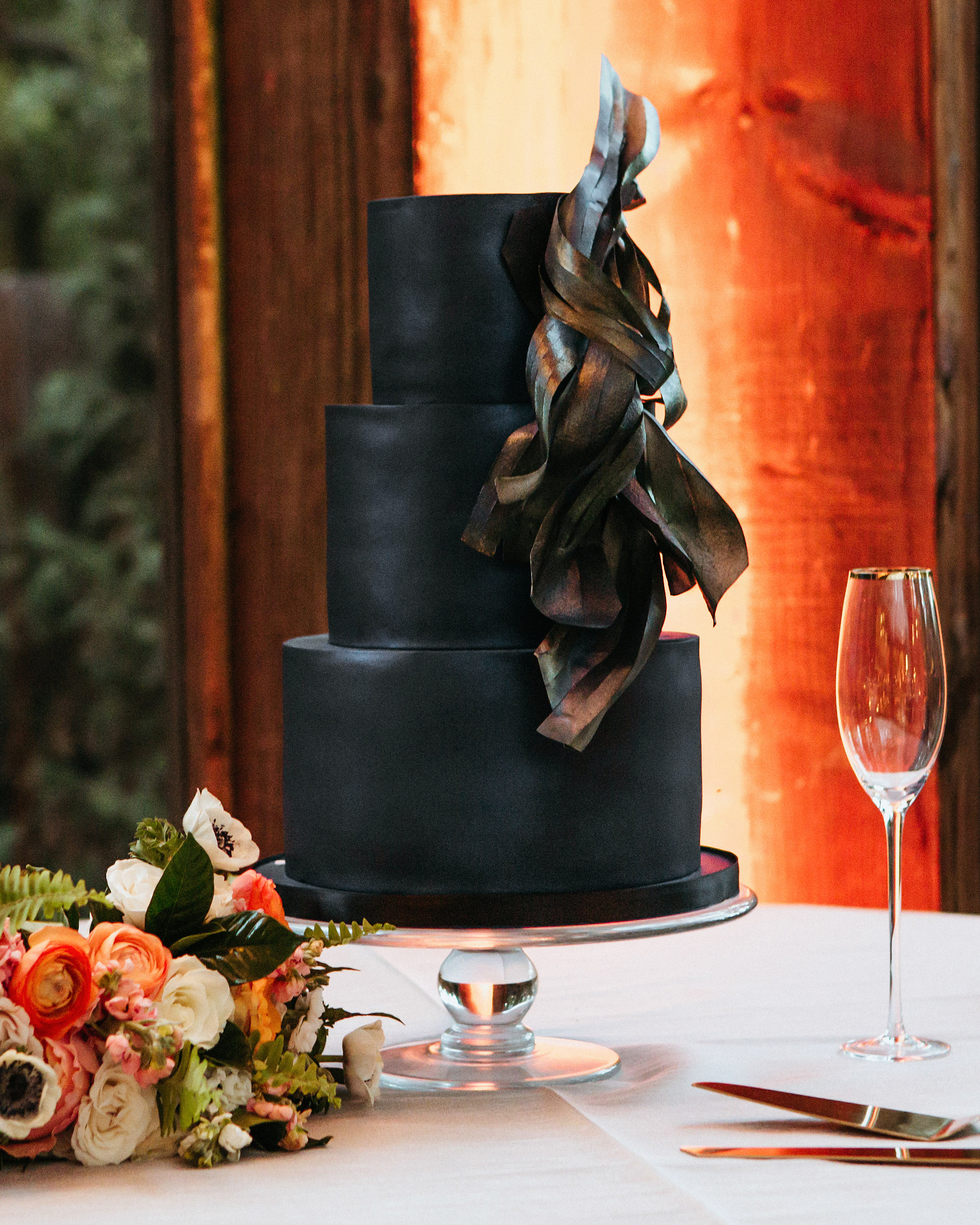 black-wedding-cake-the-gathering-season-bottegalouie-0918