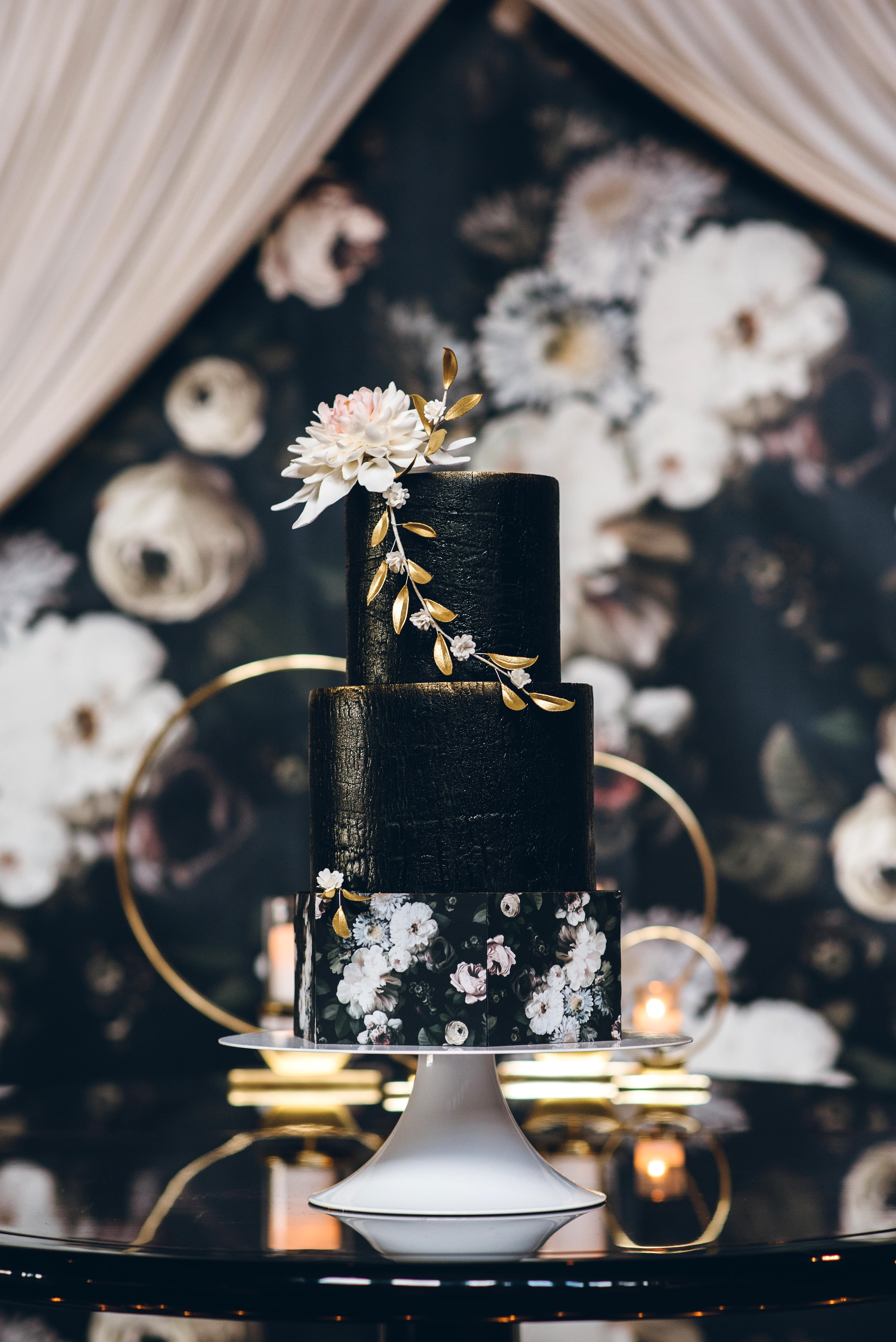 black wedding cake ed aileen photography sugarfixe