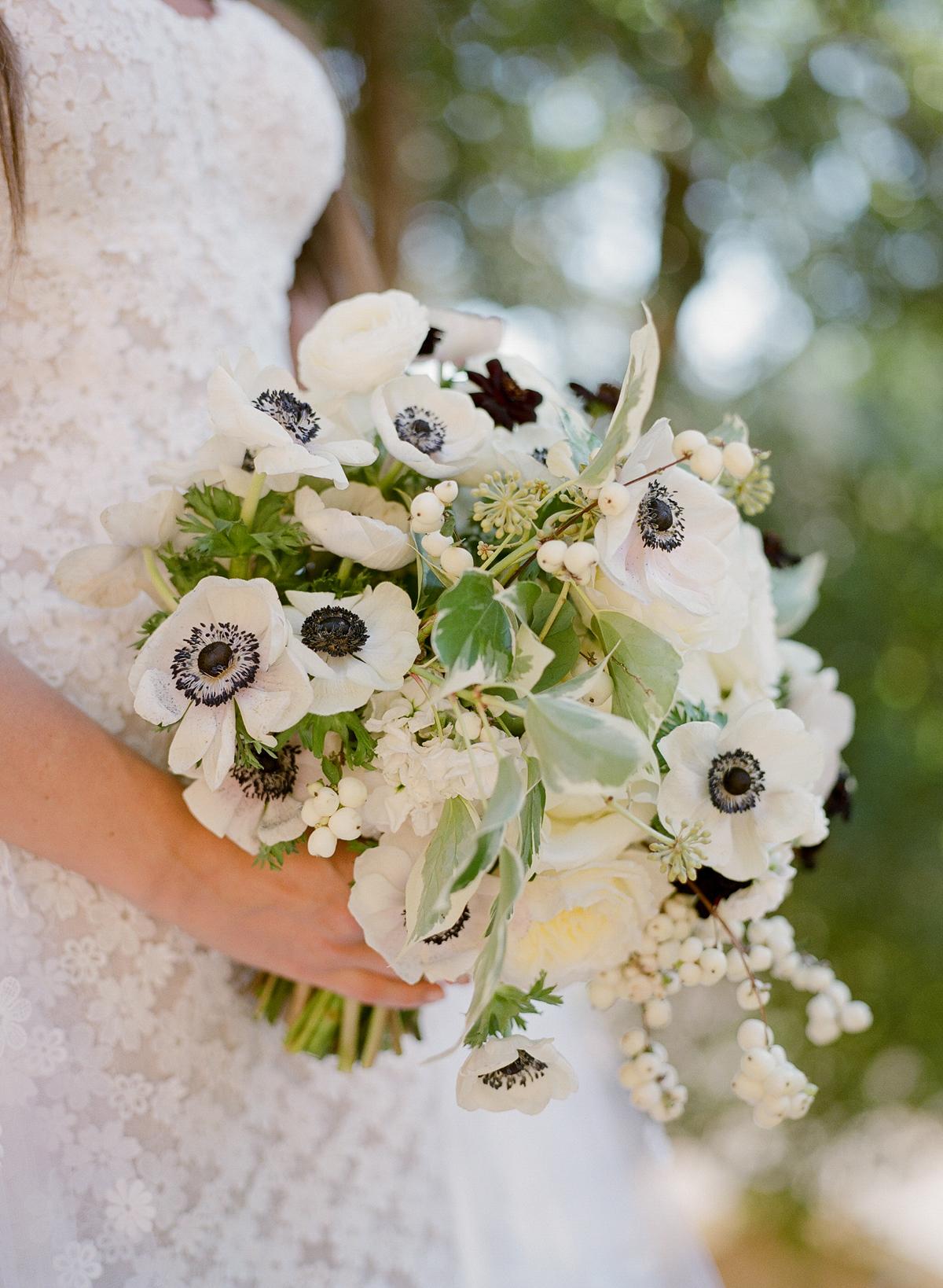 alessa andrew wedding bouquet