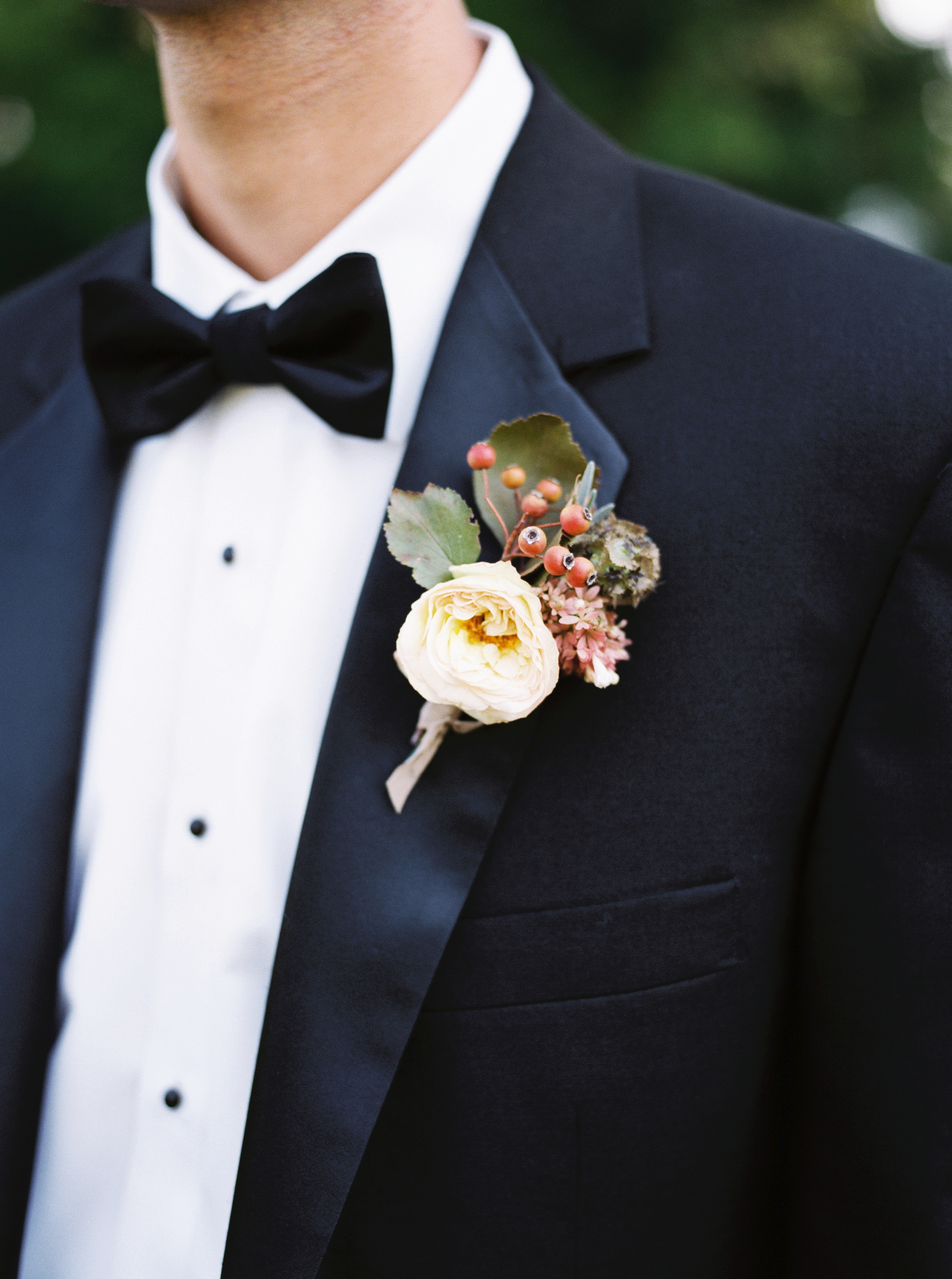 amanda william wedding tennessee boutonniere