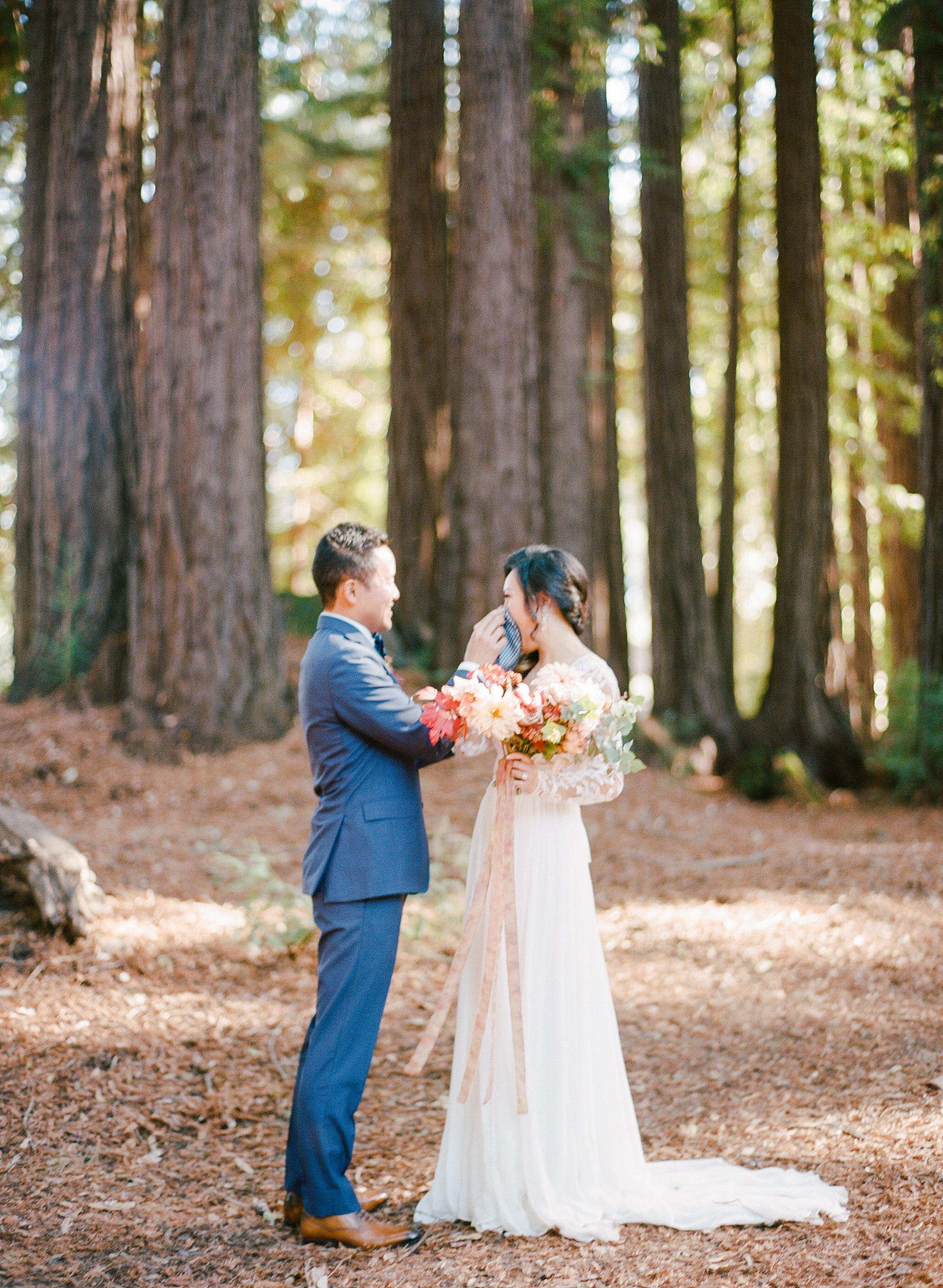 first look photos rebecca yale couple in woods