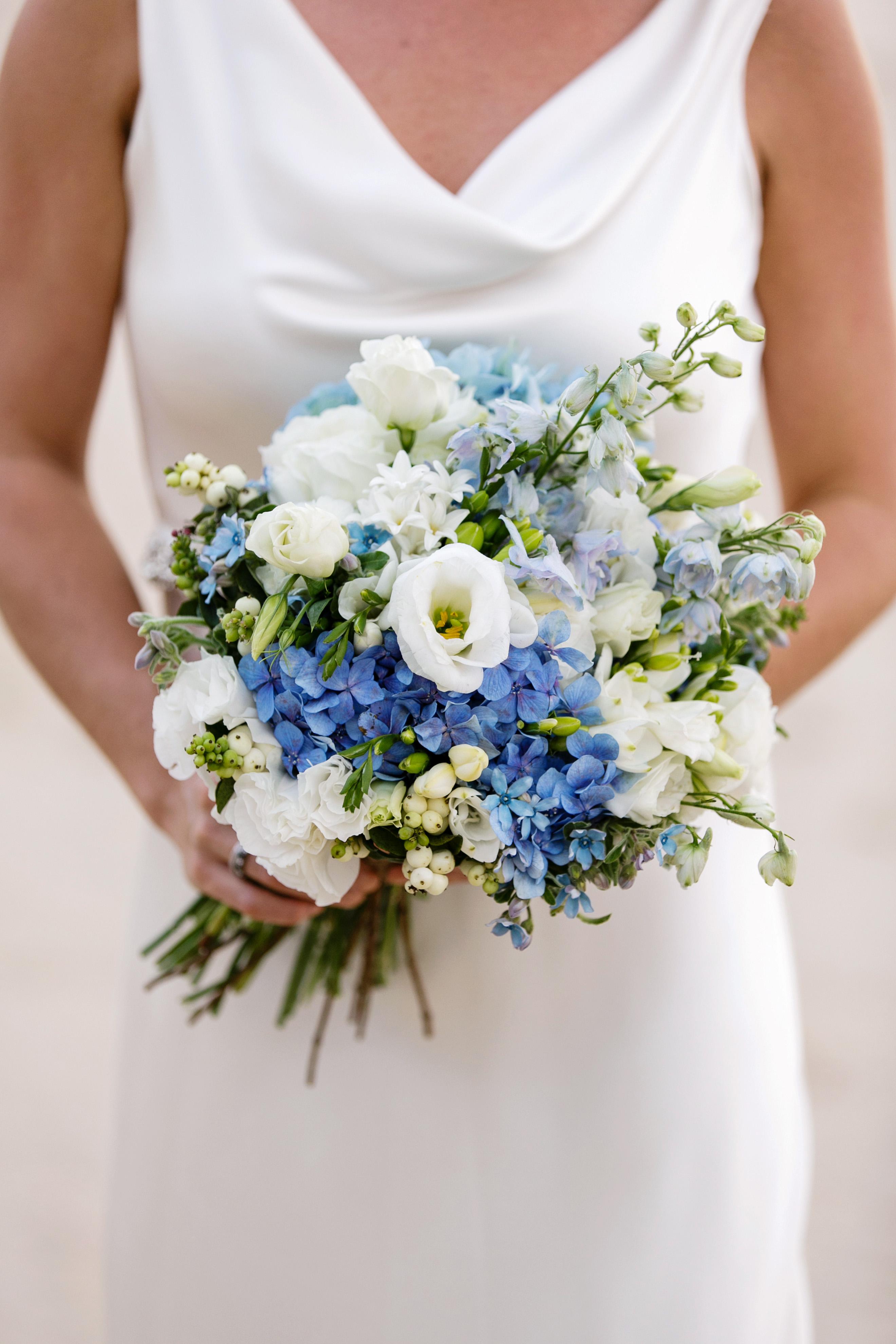 blue bouquet calli b photography mondofloraldesigns