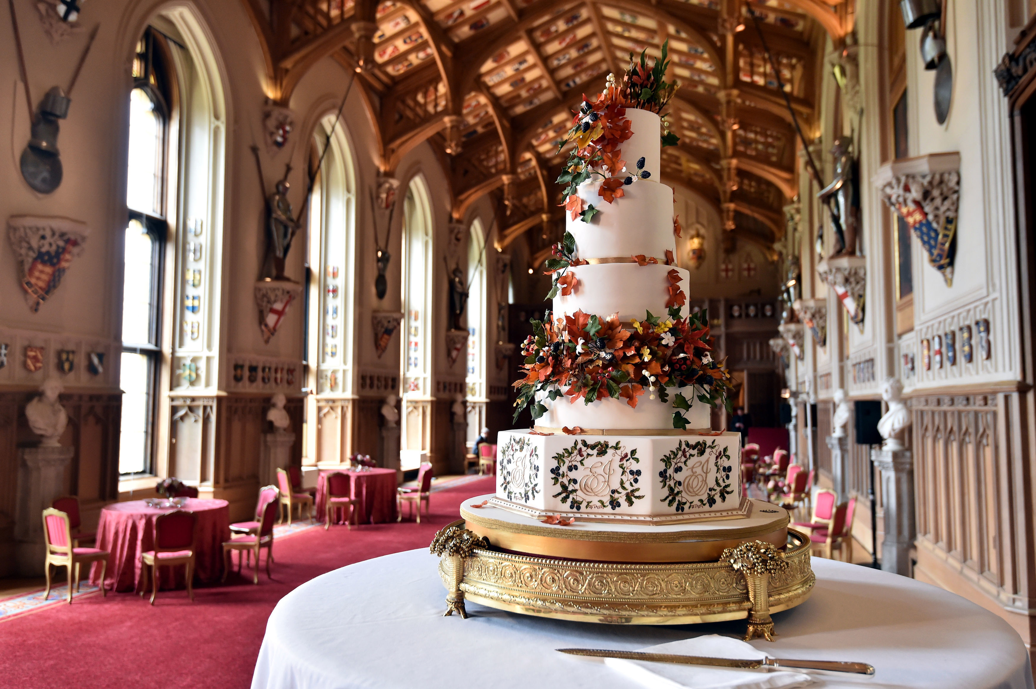 princess eugenie wedding cake