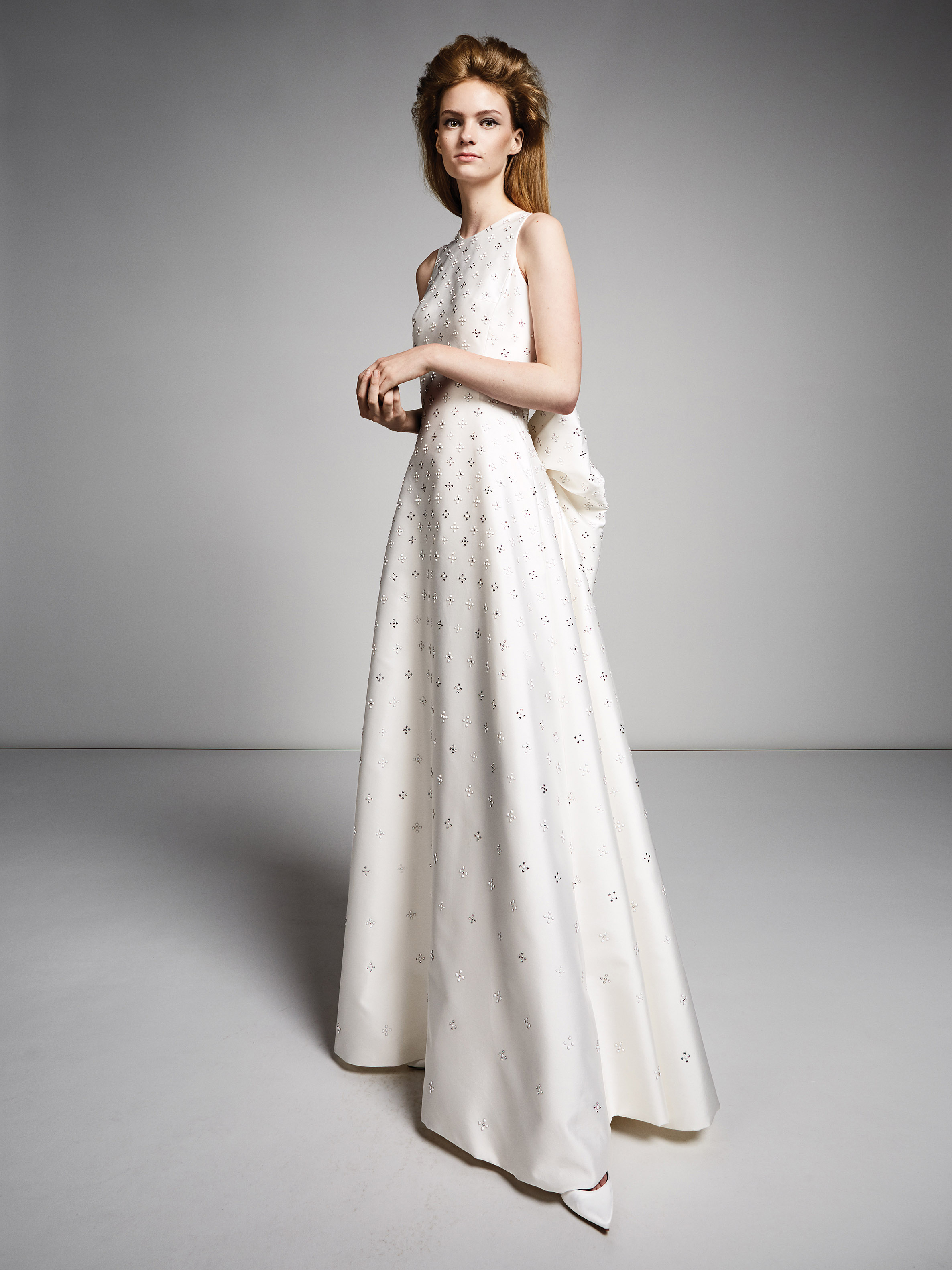 viktor rolf marriage fall 2019 beaded high neckline a-line gown with large bow in back