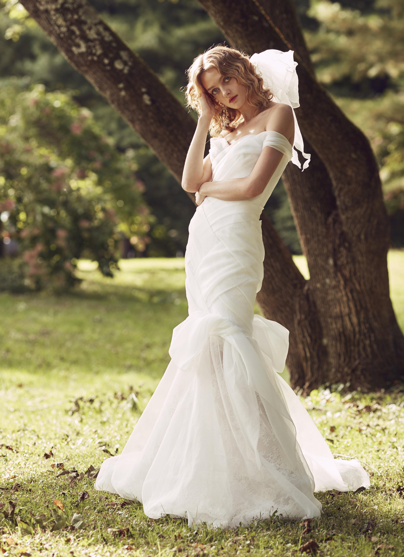 Marchesa off the shoulder trumpet wedding dress fall 2019