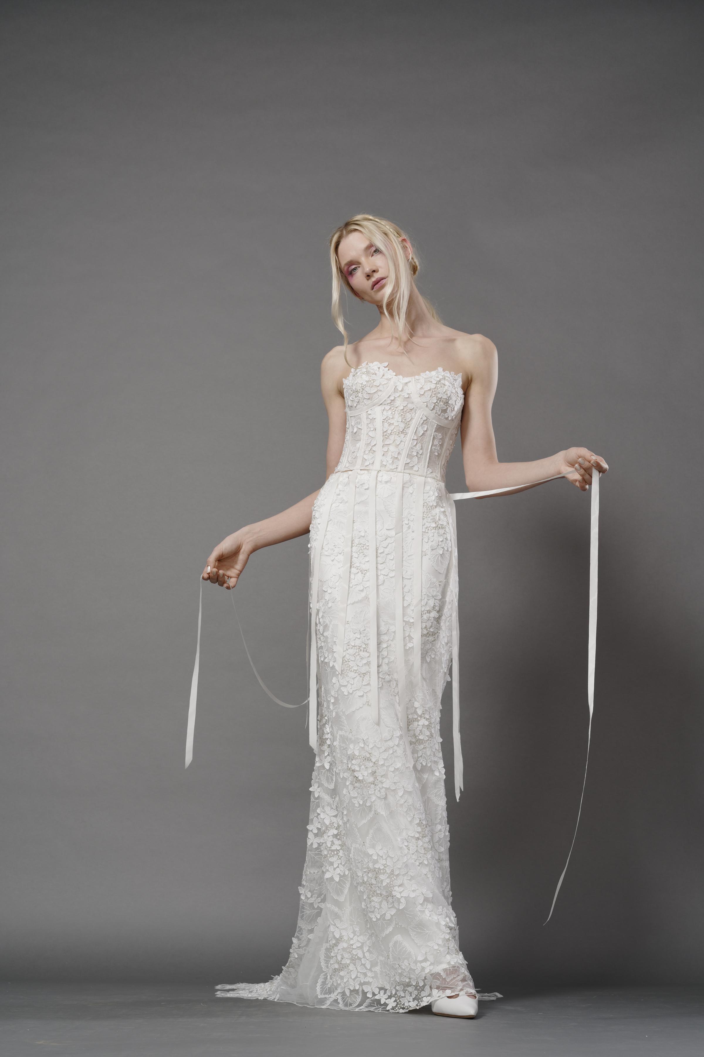 elizabeth fillmore fall 2019 mermaid sweetheart strapless exposed boning lace ribbons
