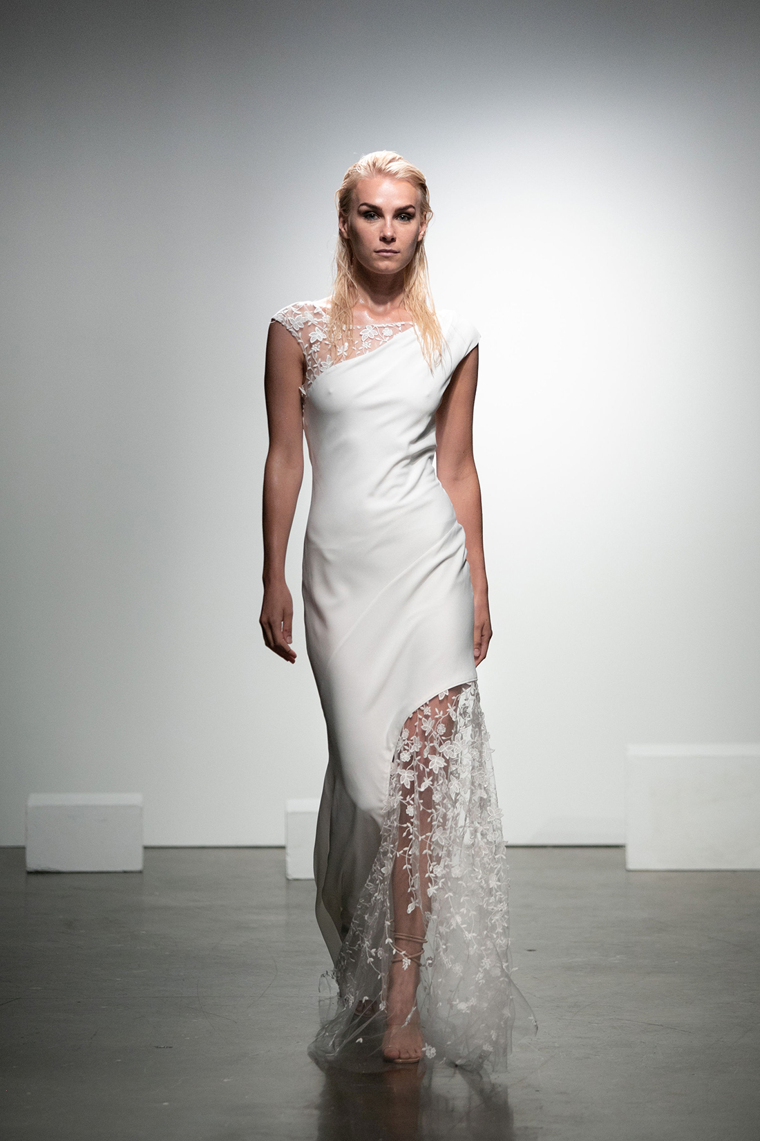 rime arodaky fall 2019 asymmetrical hemline high neck cap sleeves sheer floral applique