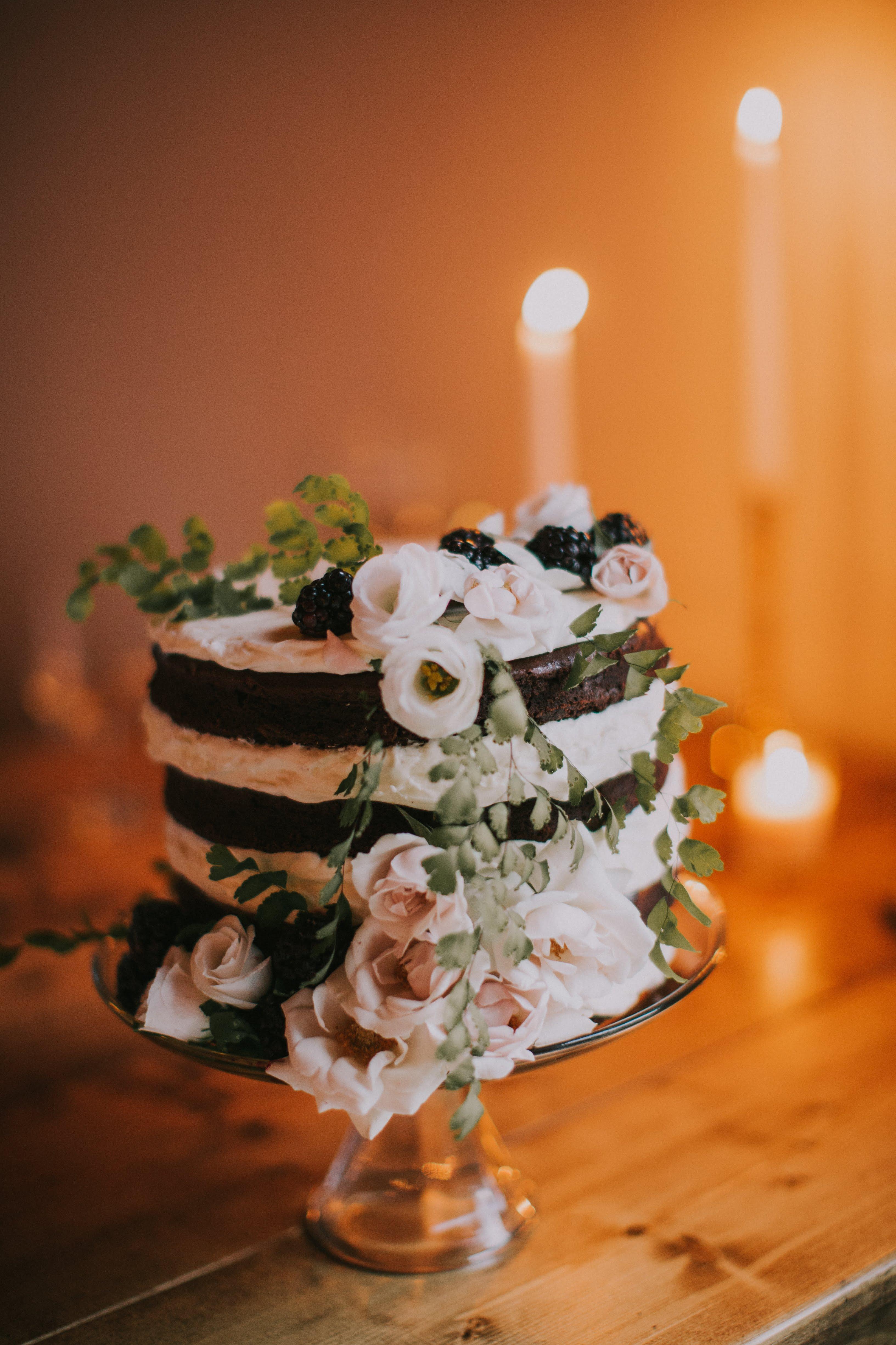 sofi ben camp wedding naked cake
