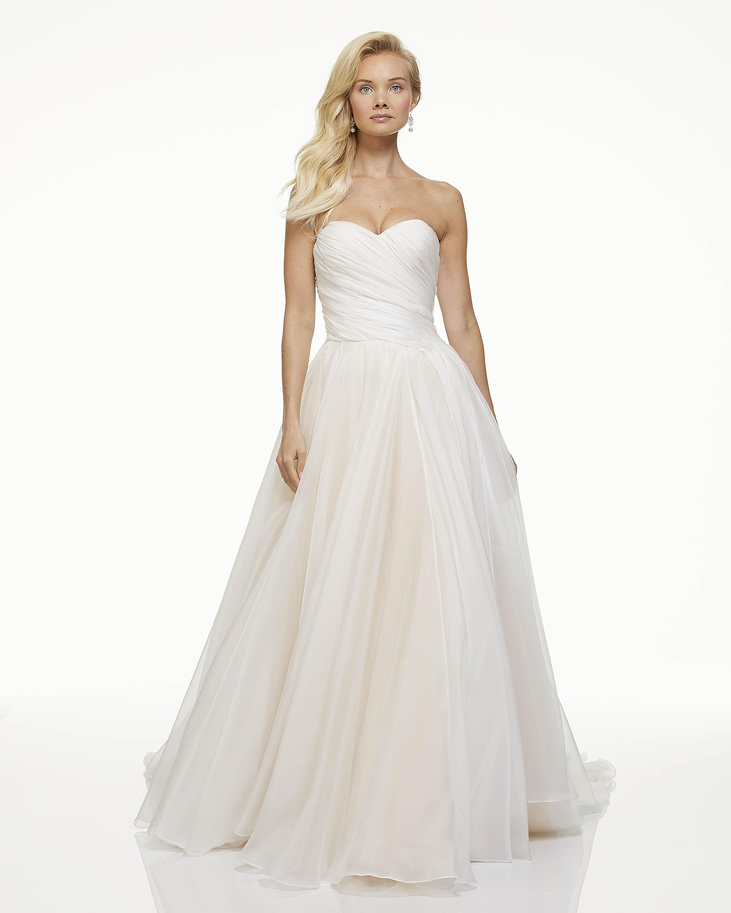 mark zunino fall 2019 ball gown sweetheart strapless sheer overlay