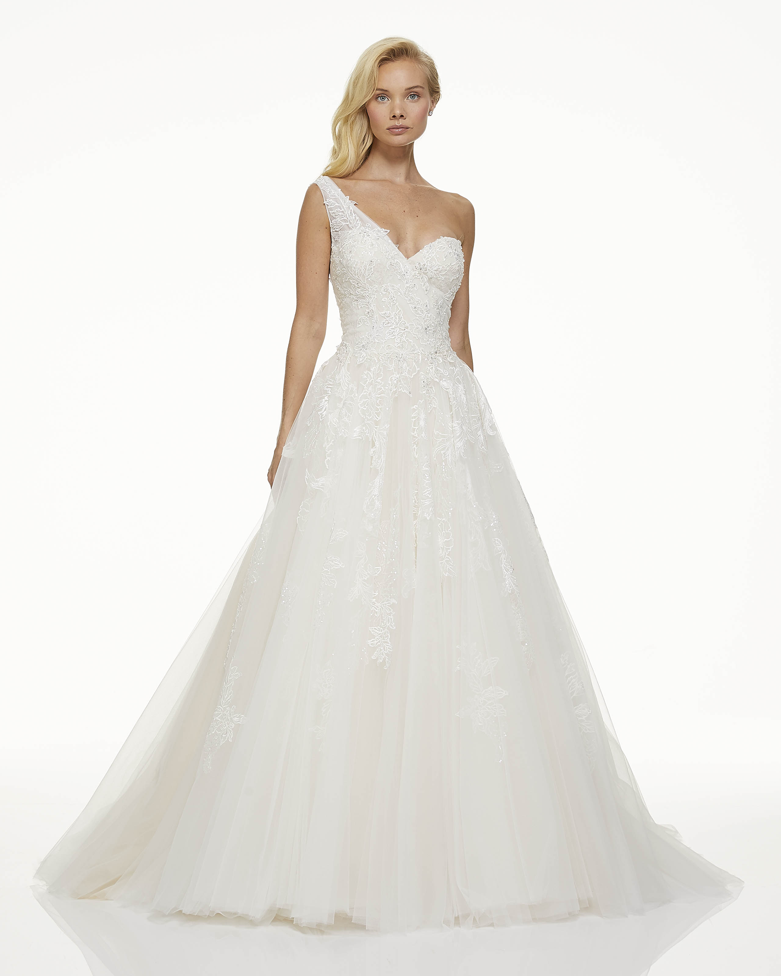 mark zunino fall 2019 ball gown sweetheart asymmetrical one strap shimmering lace overlay