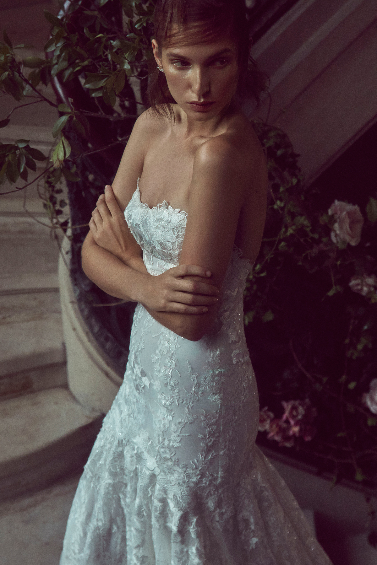 monique lhuillier bliss fall 2019 strapless lace trumpet with sweetheart neckline