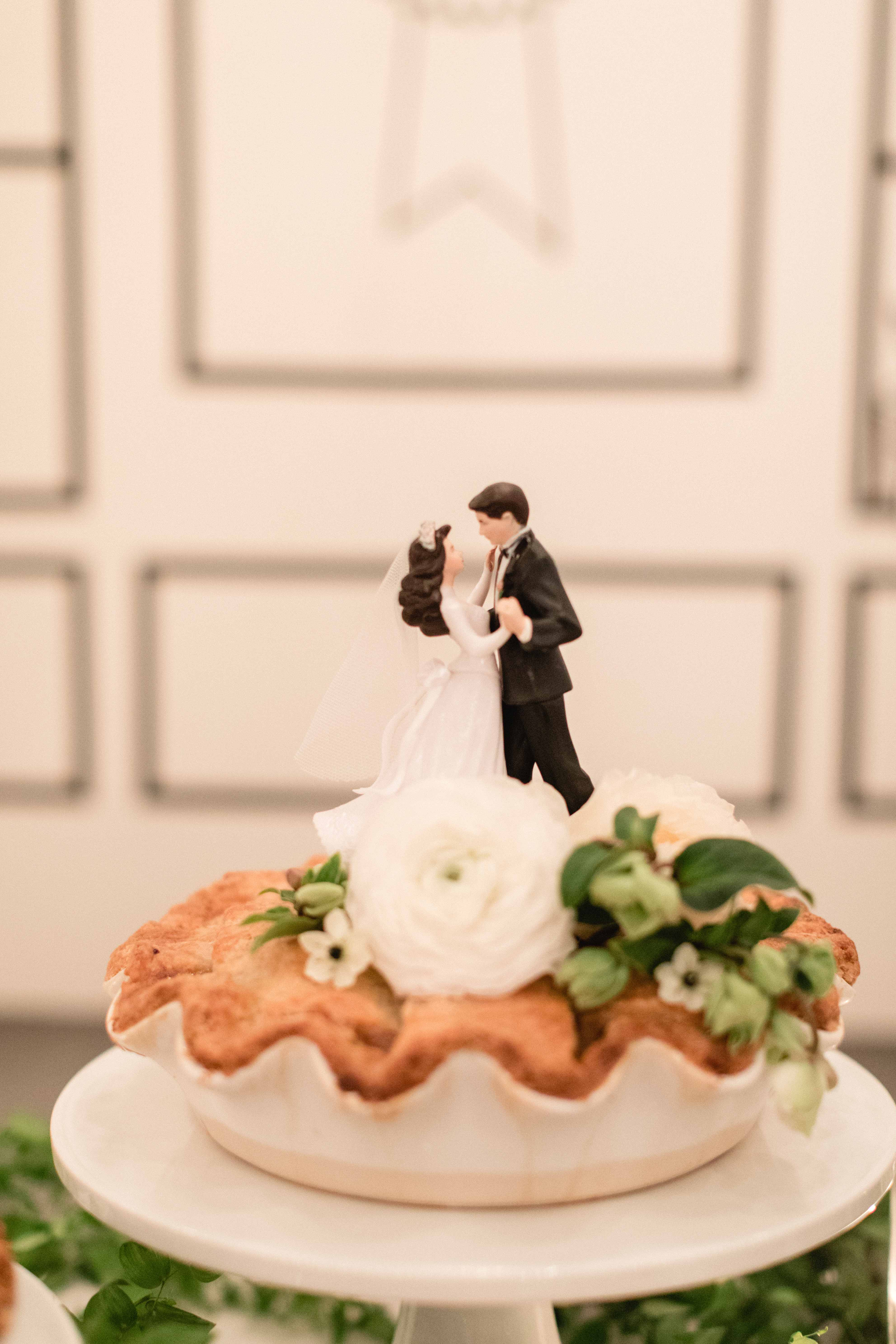 The History of Vintage Wedding Cake Toppers
