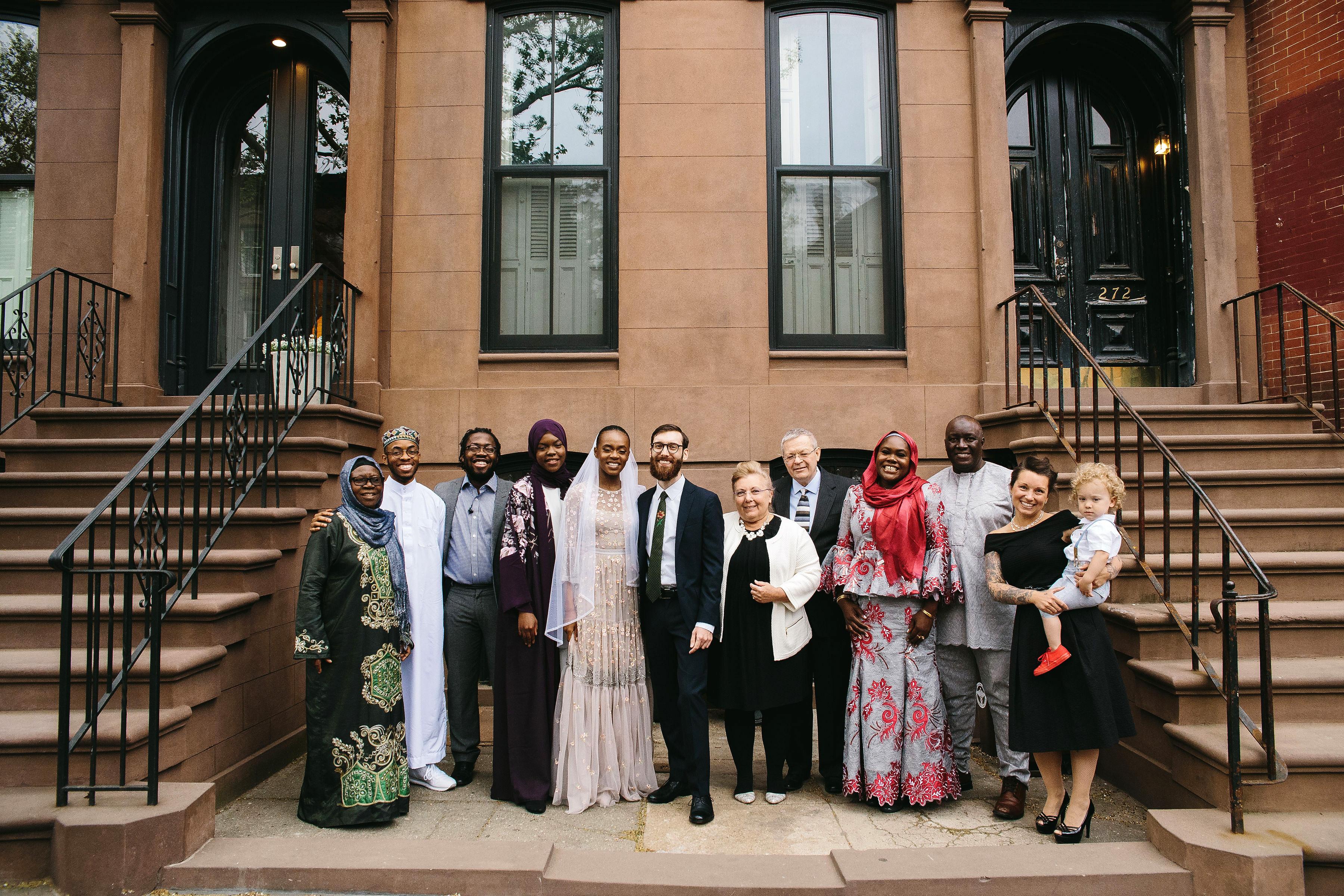 lola quinlan elopement guests group