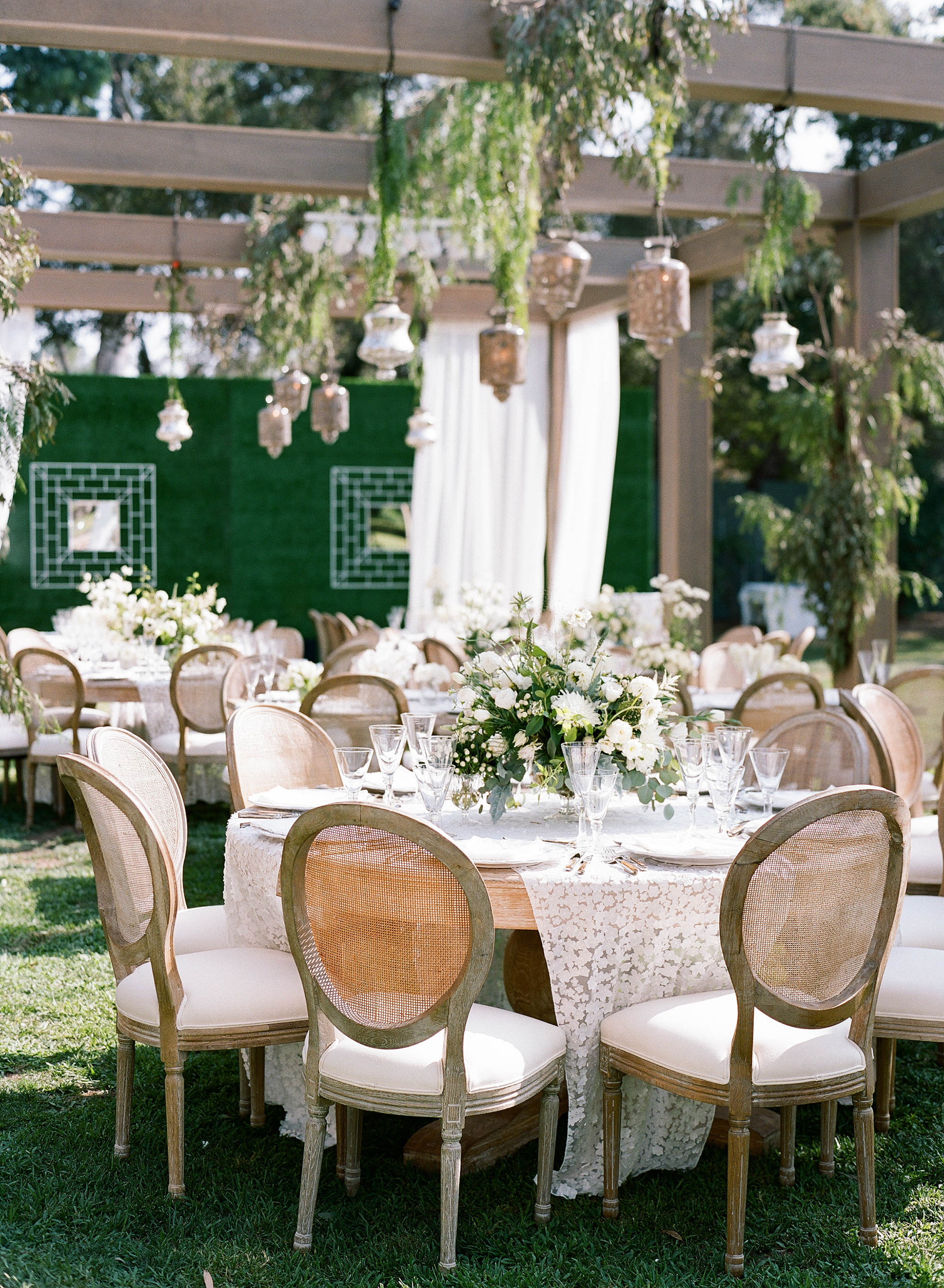 ashlie adam alpert wedding tables outdoor reception