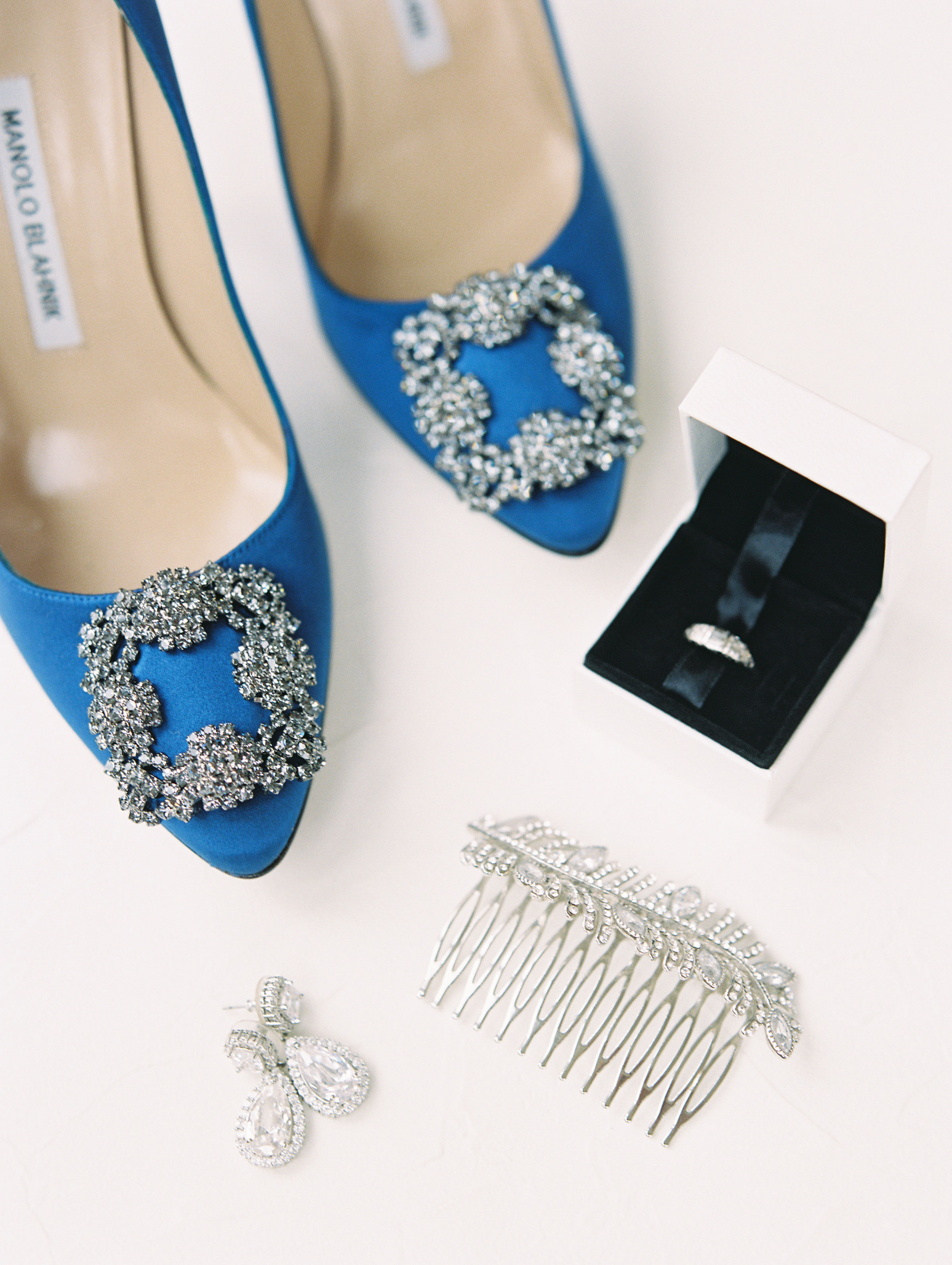 What Type of Shoes Should a Winter Bride Wear?