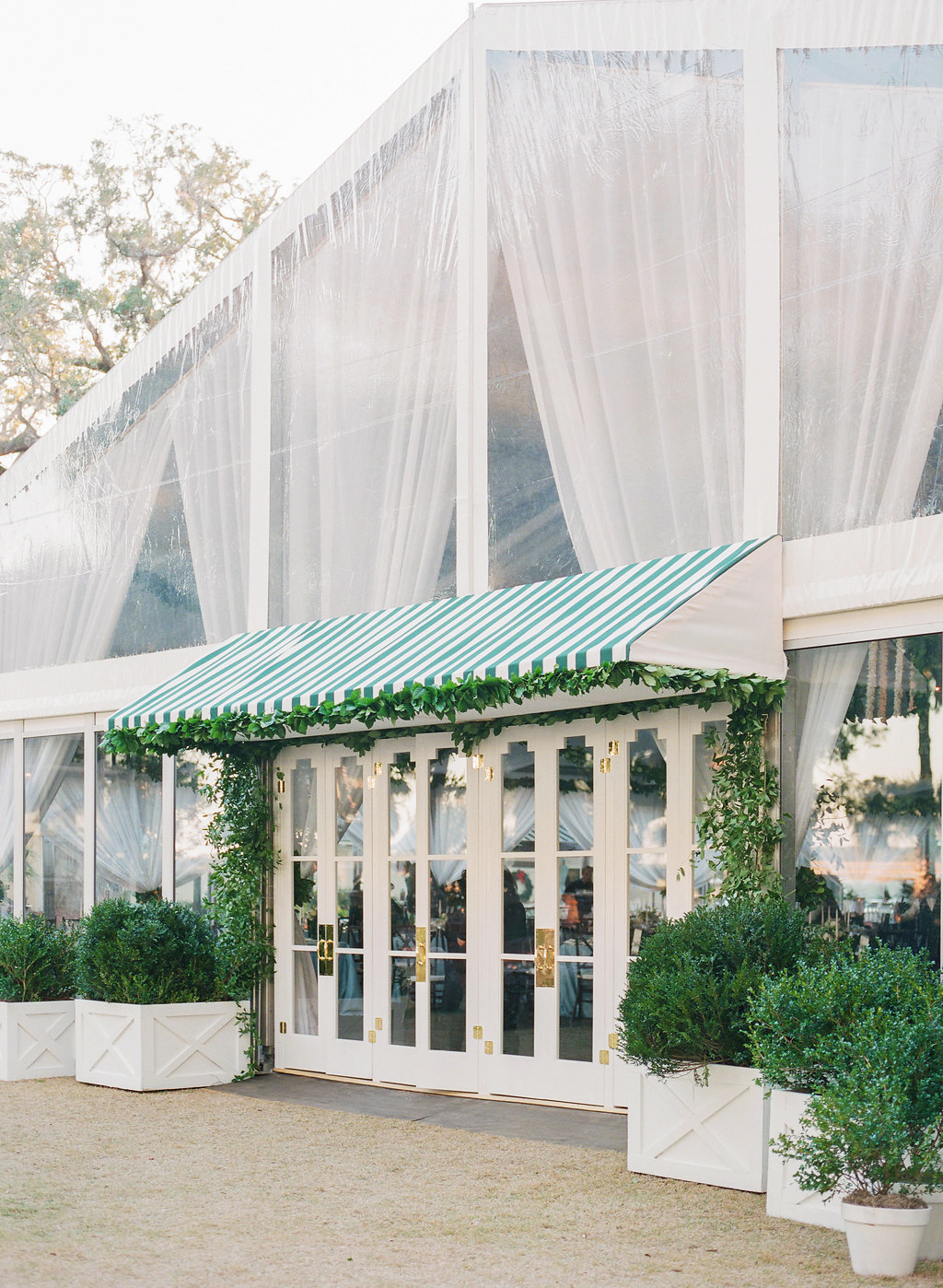 Tips for Planning a Tented Wedding During the Winter