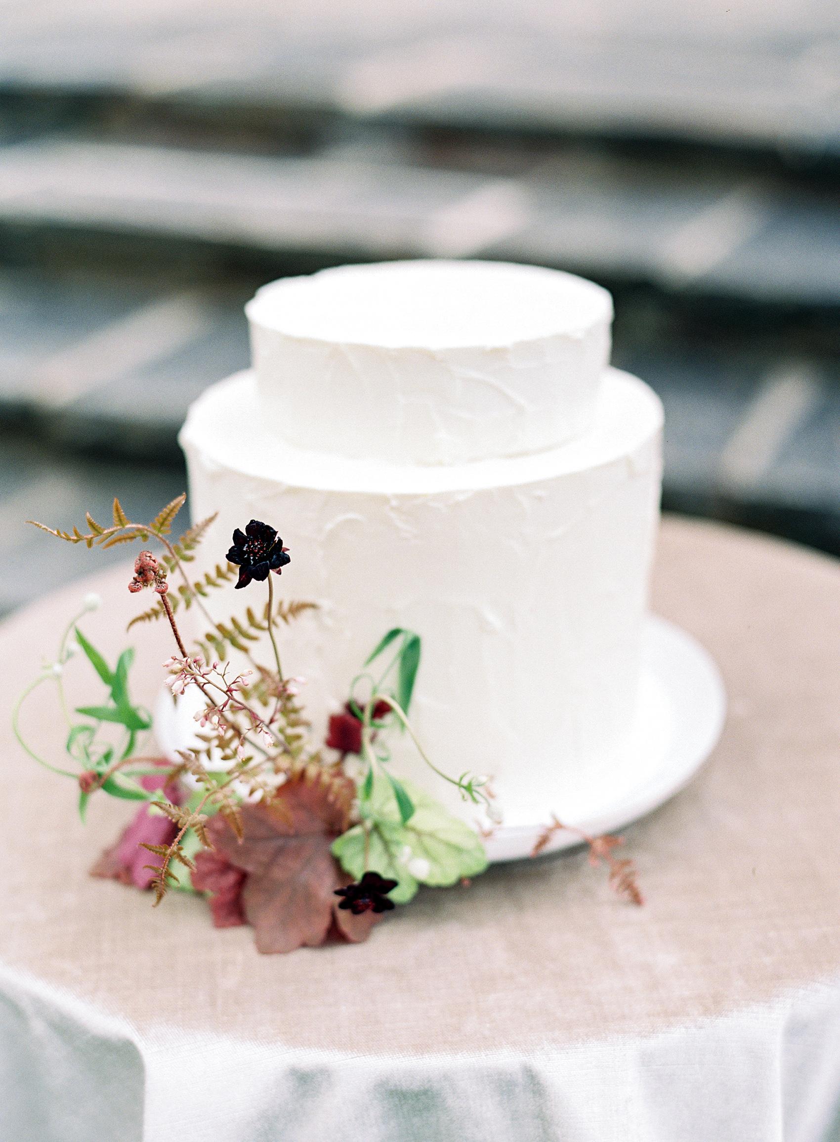 micro tier wedding cakes petite top layer