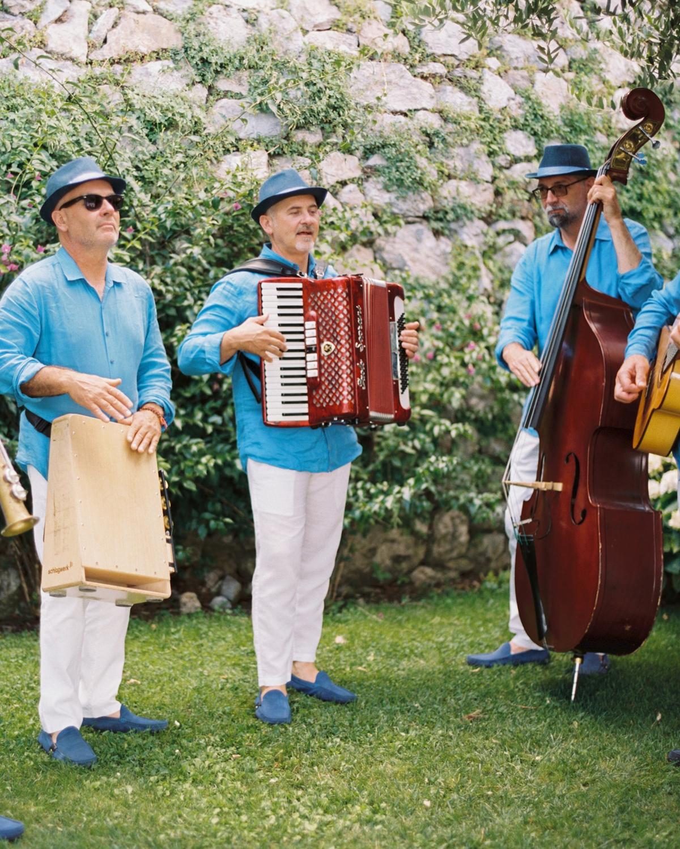 allie and joe italy wedding traditional italian musicians
