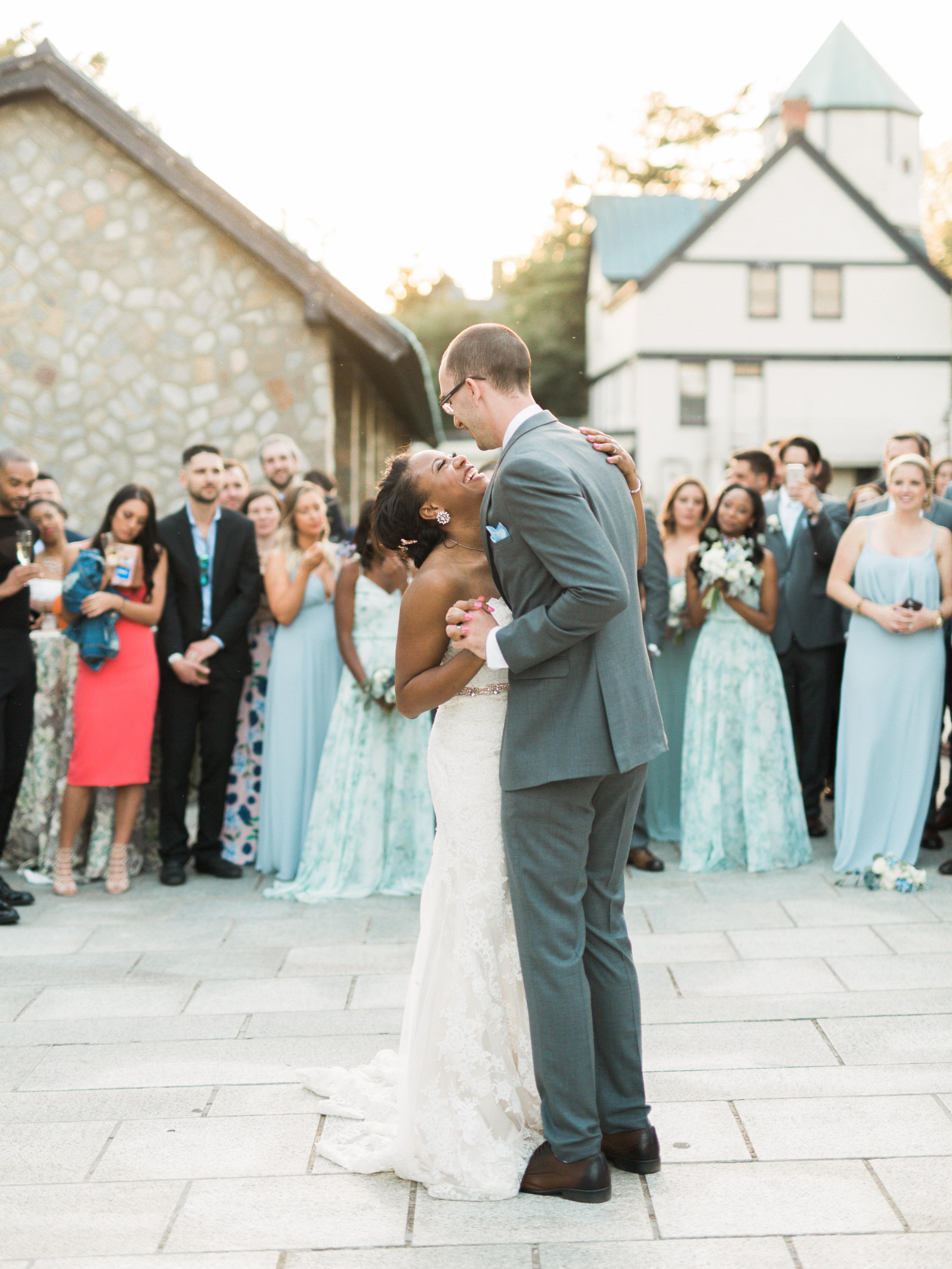 outdoor wedding reception bride groom first dance