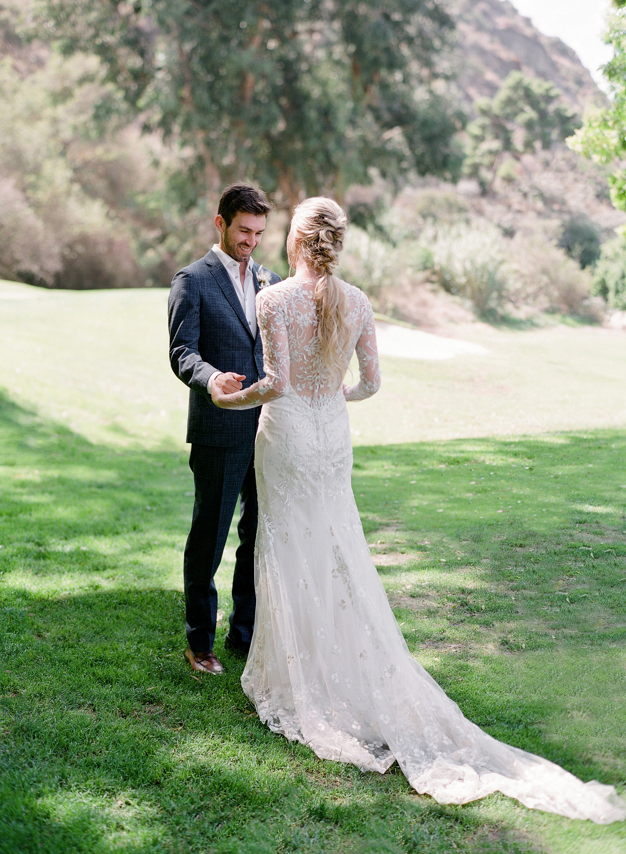 alex drew california wedding couple first look outdoors