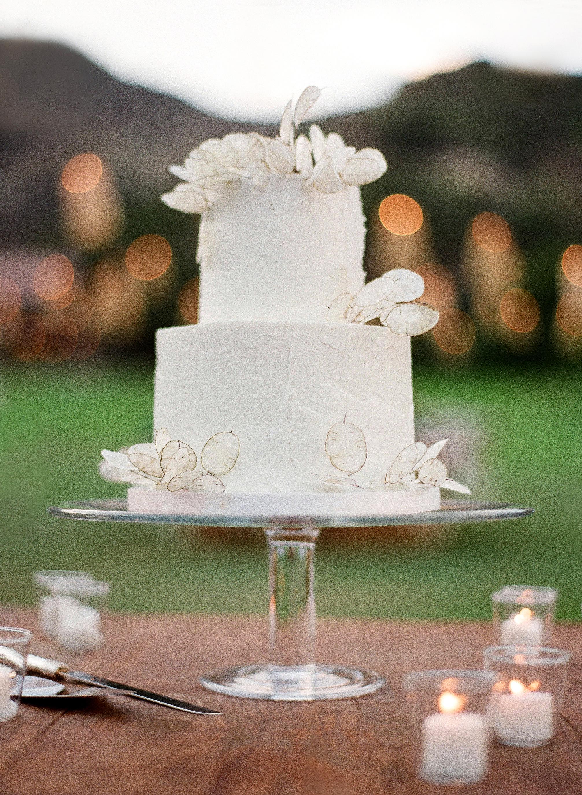 alex drew california wedding white cake lunaria