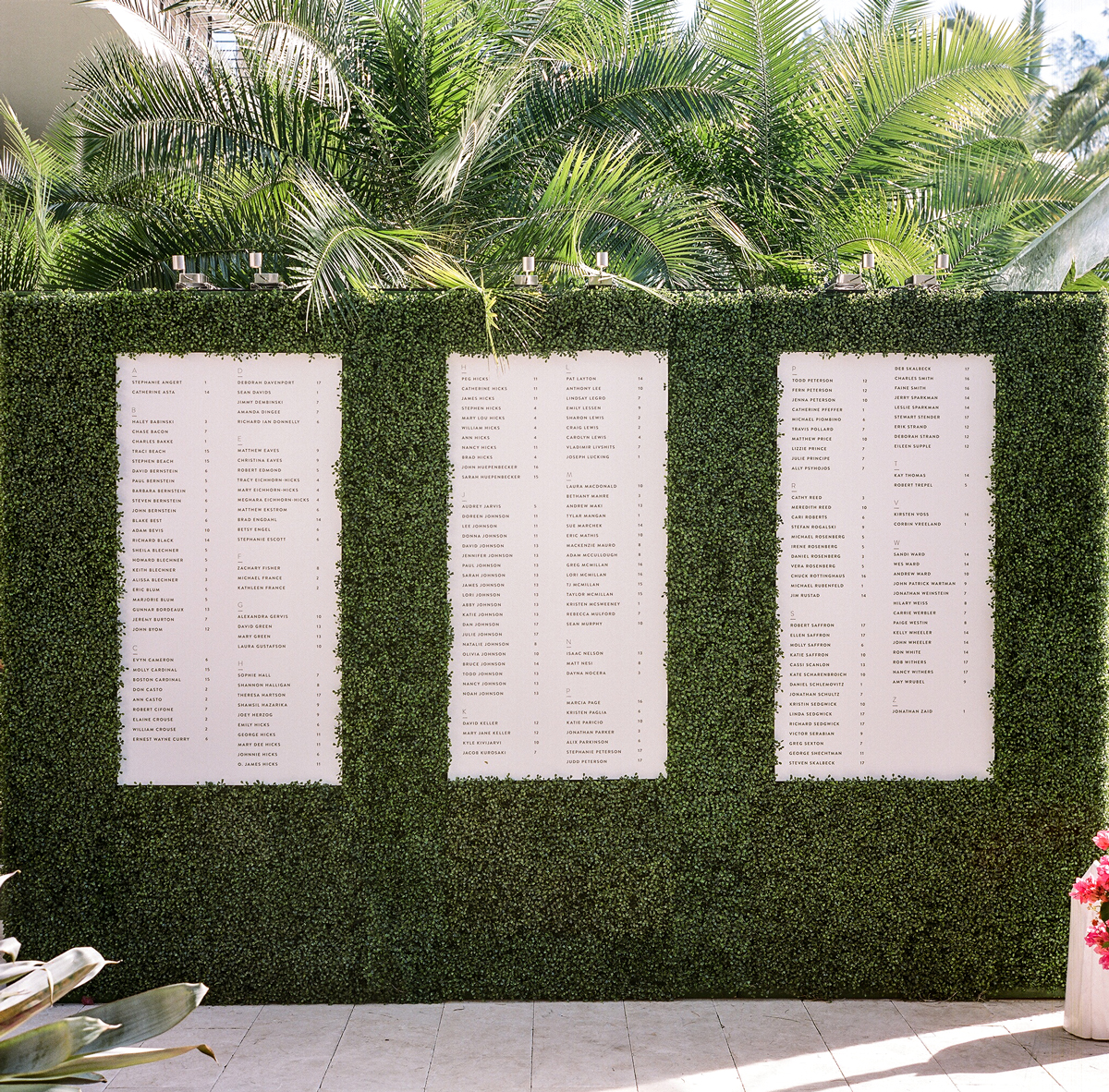 wedding plant wall seating chart on boxwood