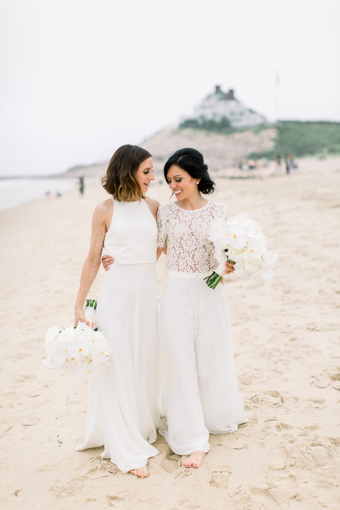 These Brides Threw a Cheerful Orange-and-White Wedding in Rhode Island