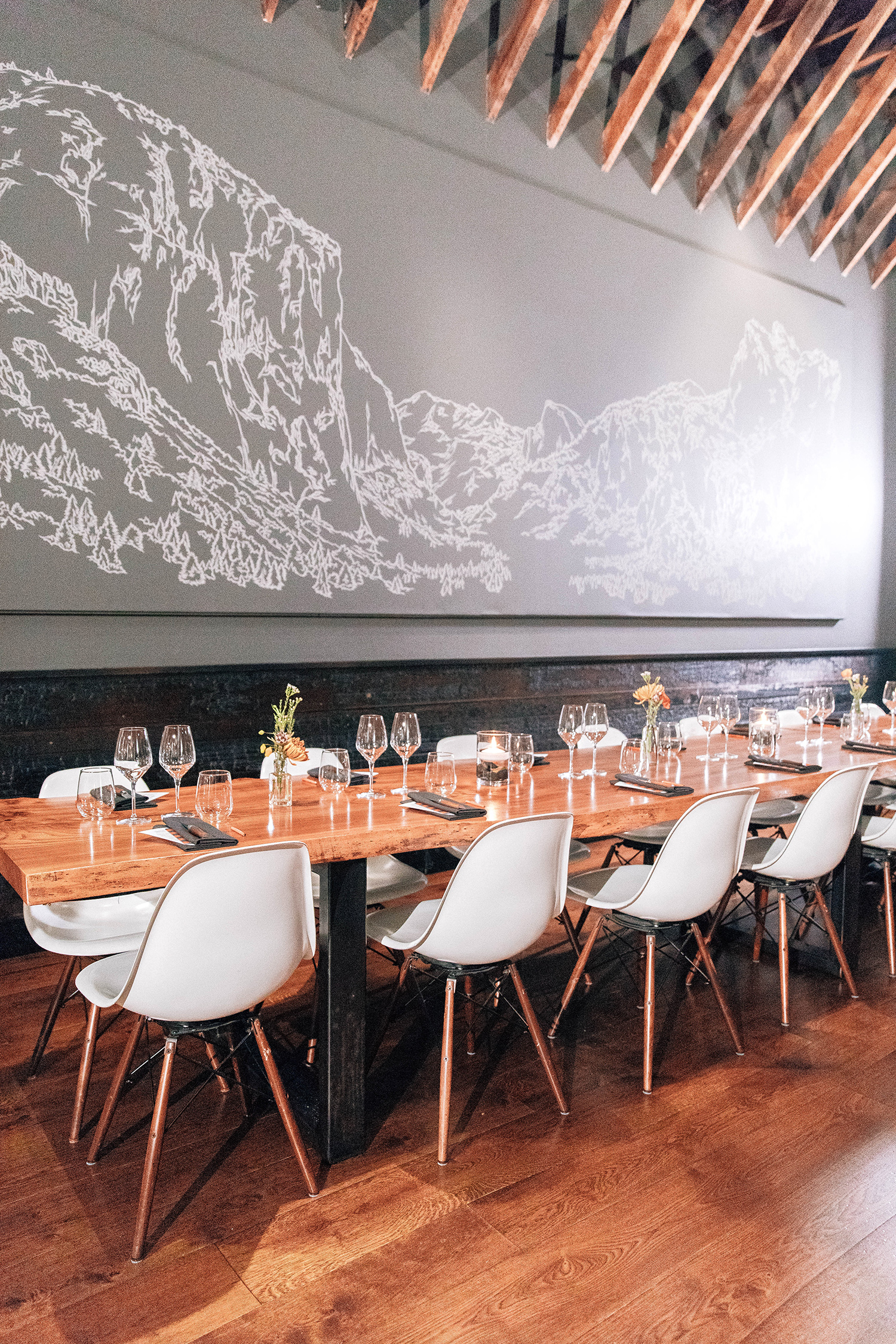 san francisco lazy bear modern restaurant setting