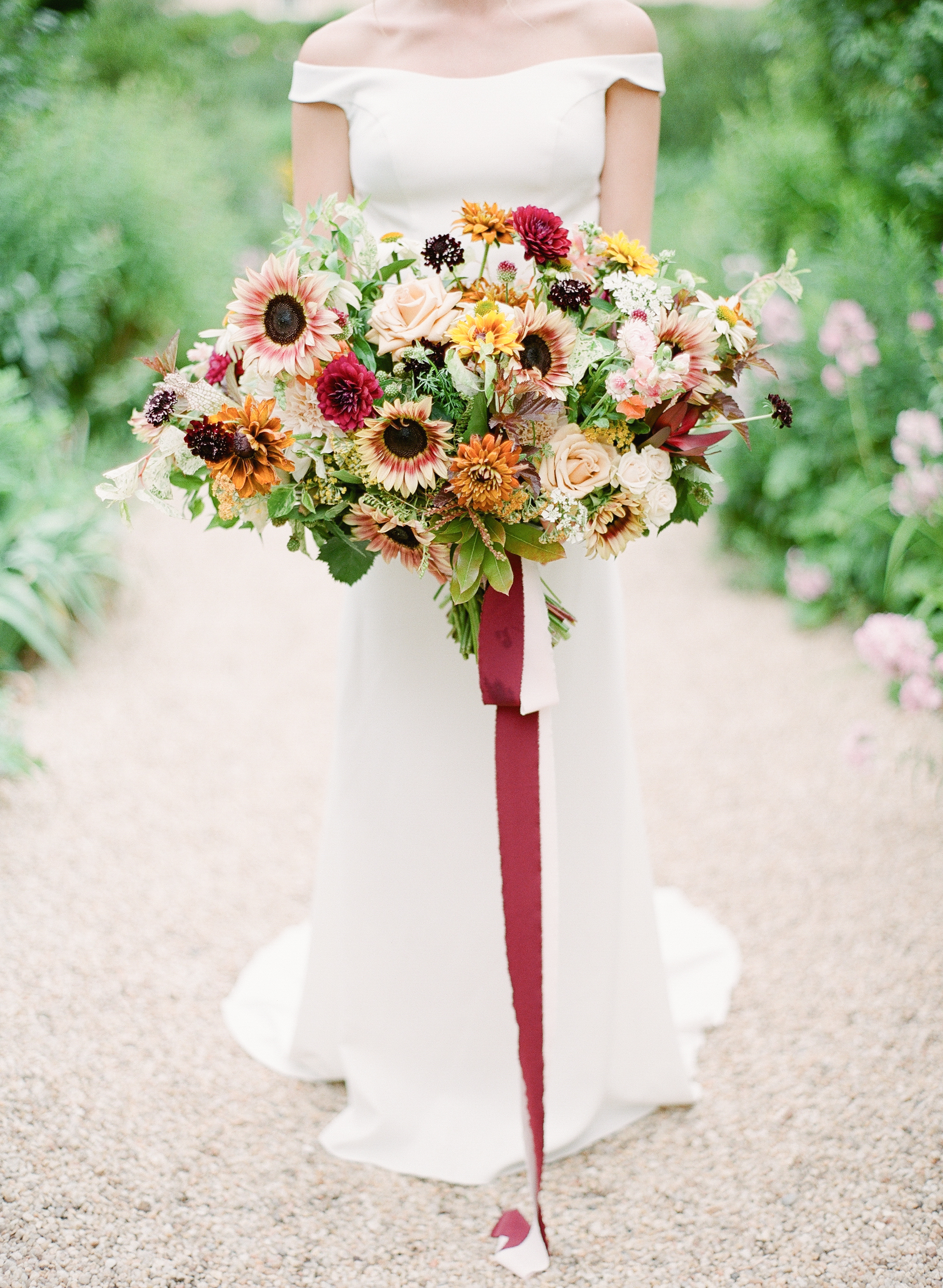 20 Sunflower Bouquets That Will Brighten Up Your Wedding Day Martha Stewart Weddings