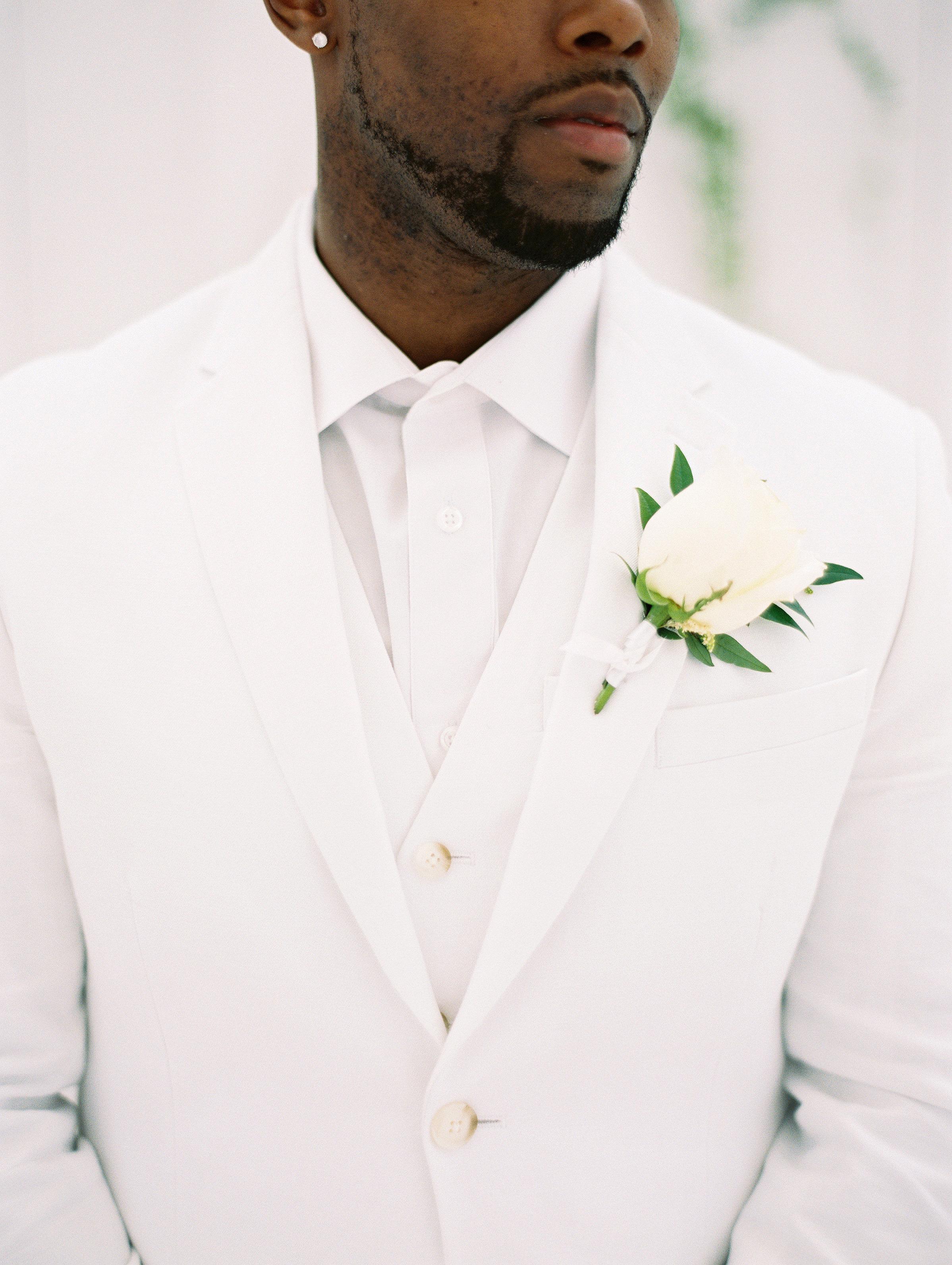 shakira travis wedding groom