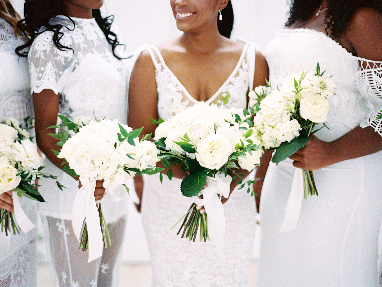 shakira travis wedding bouquets bride bridesmaids